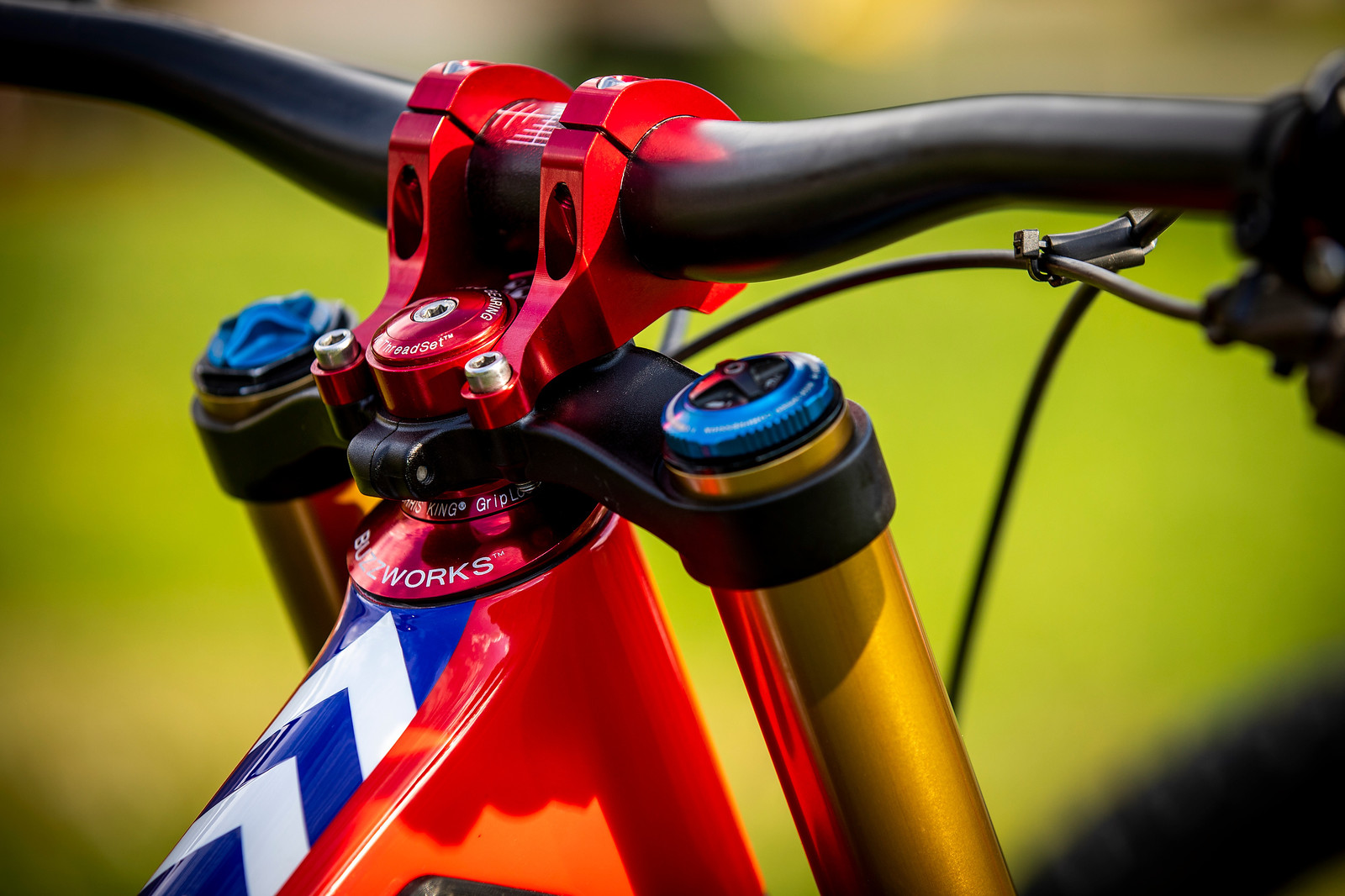 All in the Buzzworks - WORLD CHAMPS BIKES - Loris Vergier's Santa Cruz V10s - Mountain Biking Pictures - Vital MTB