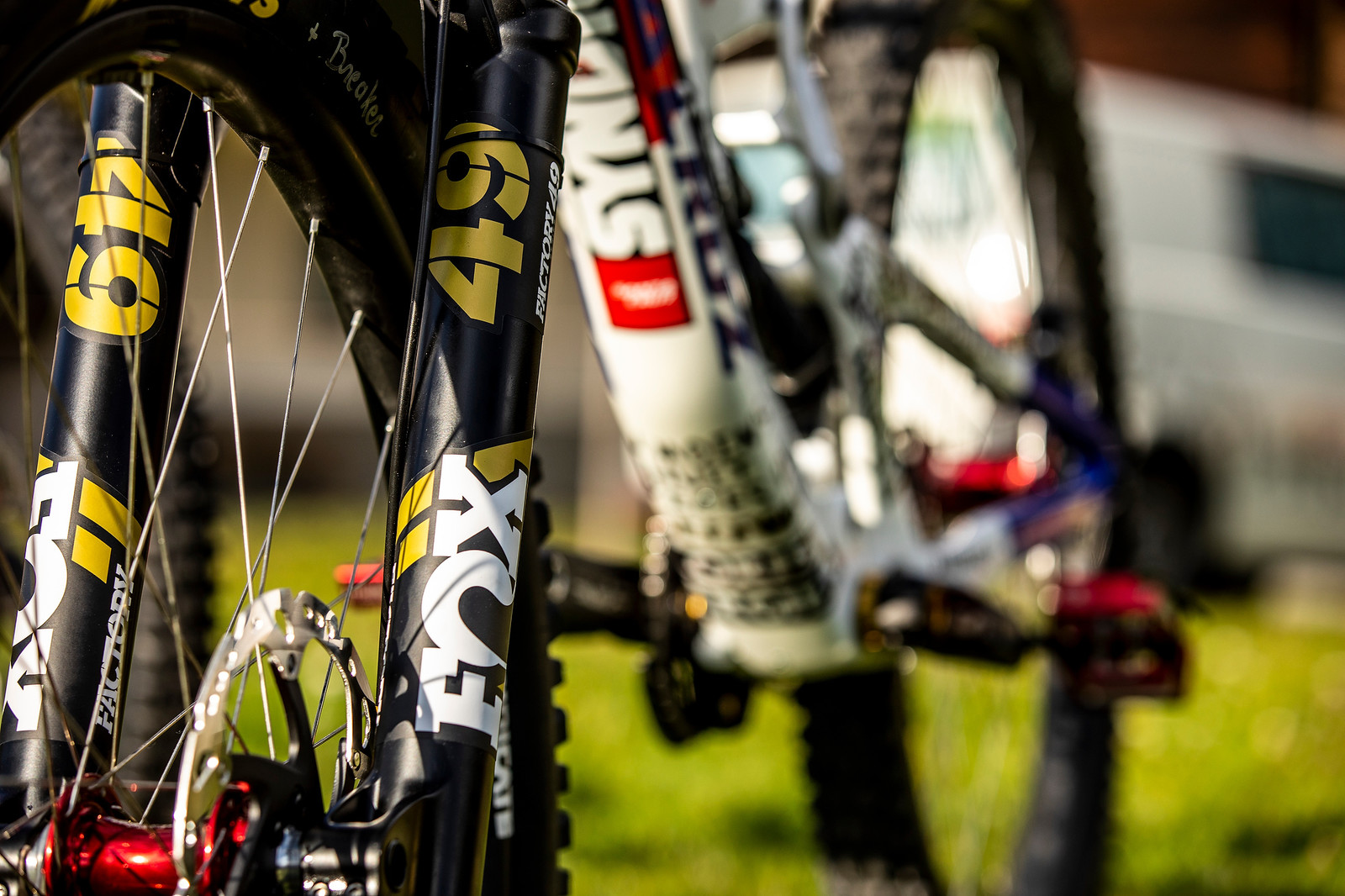 FOX 49 - WORLD CHAMPS BIKES - Loris Vergier's Santa Cruz V10s - Mountain Biking Pictures - Vital MTB