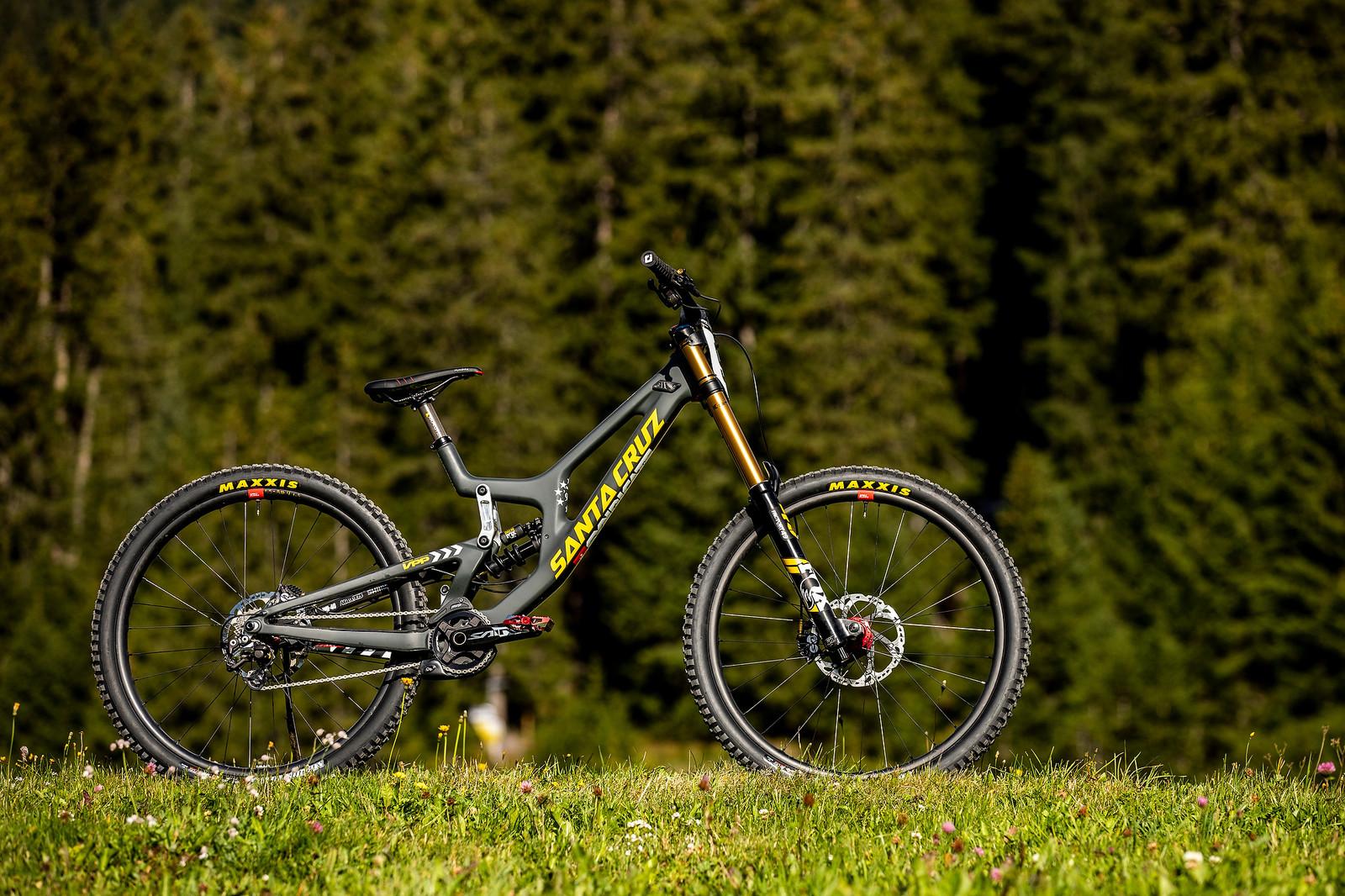Under the Radar - Luca Shaw's Santa Cruz V10 World Champs Bike - WORLD CHAMPS BIKE - Luca Shaw's Santa Cruz V10 - Mountain Biking Pictures - Vital MTB