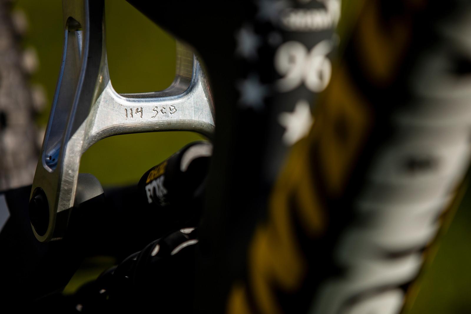 Arty Proto Linkage Shot - WORLD CHAMPS BIKE - Luca Shaw's Santa Cruz V10 - Mountain Biking Pictures - Vital MTB