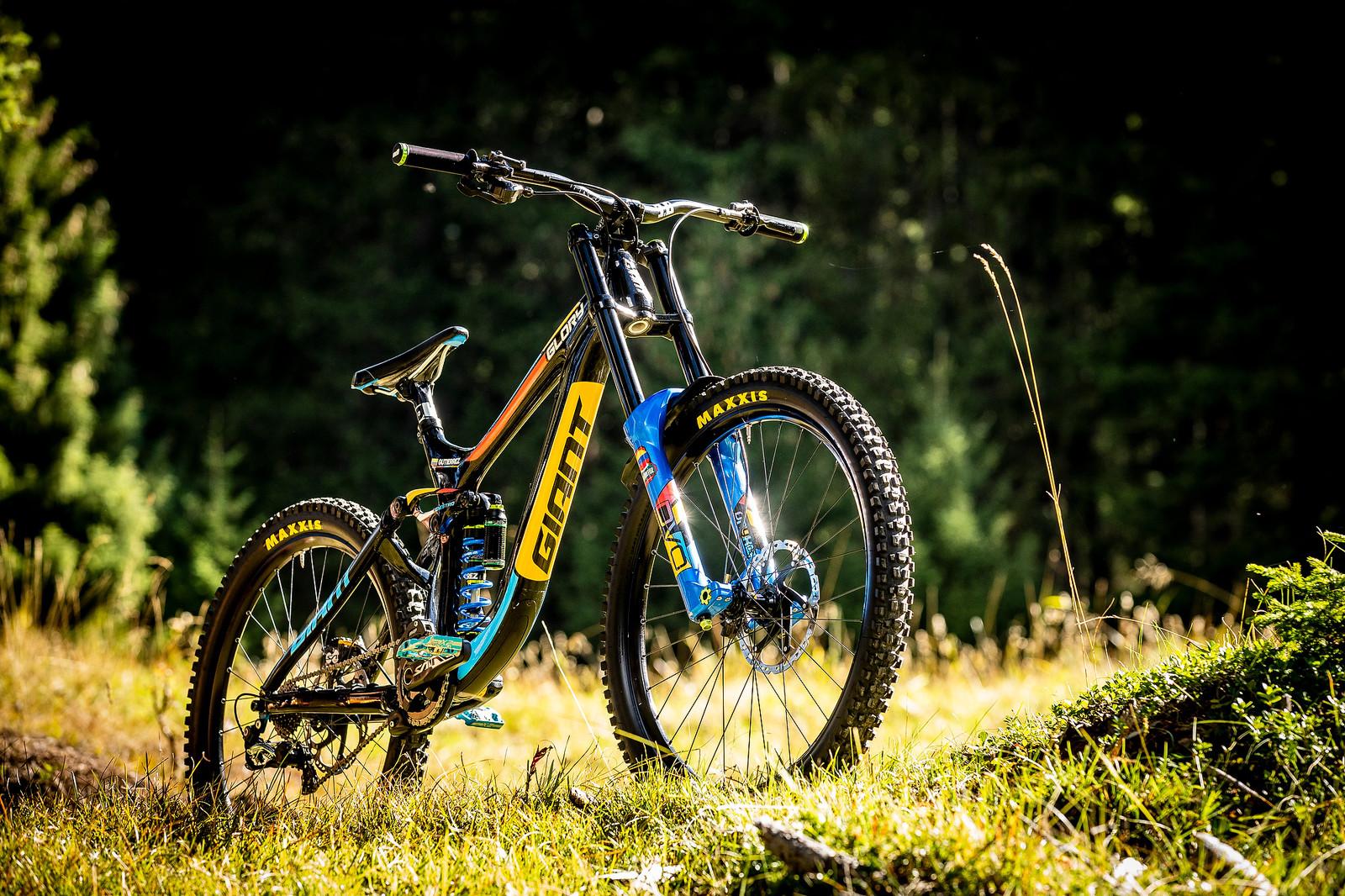 WORLD CHAMPS BIKE - Marcelo Gutierrez's Giant Glory - WORLD CHAMPS BIKE - Marcelo Gutierrez's Giant Glory - Mountain Biking Pictures - Vital MTB