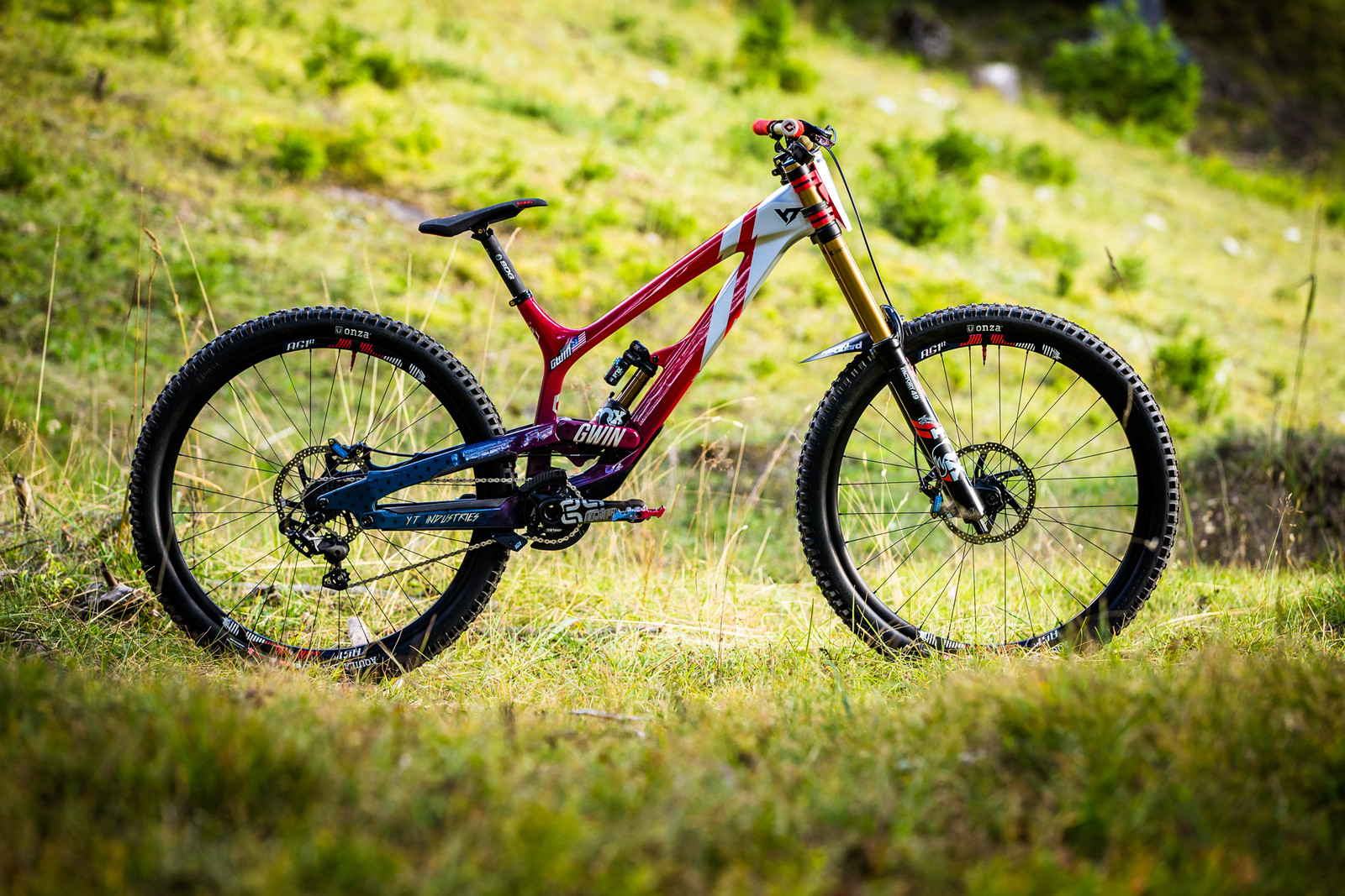 Aaron Gwin's Big Wheeled YT TUES World Champs Bike - WORLD CHAMPS BIKE - Aaron Gwin's YT TUES - Mountain Biking Pictures - Vital MTB