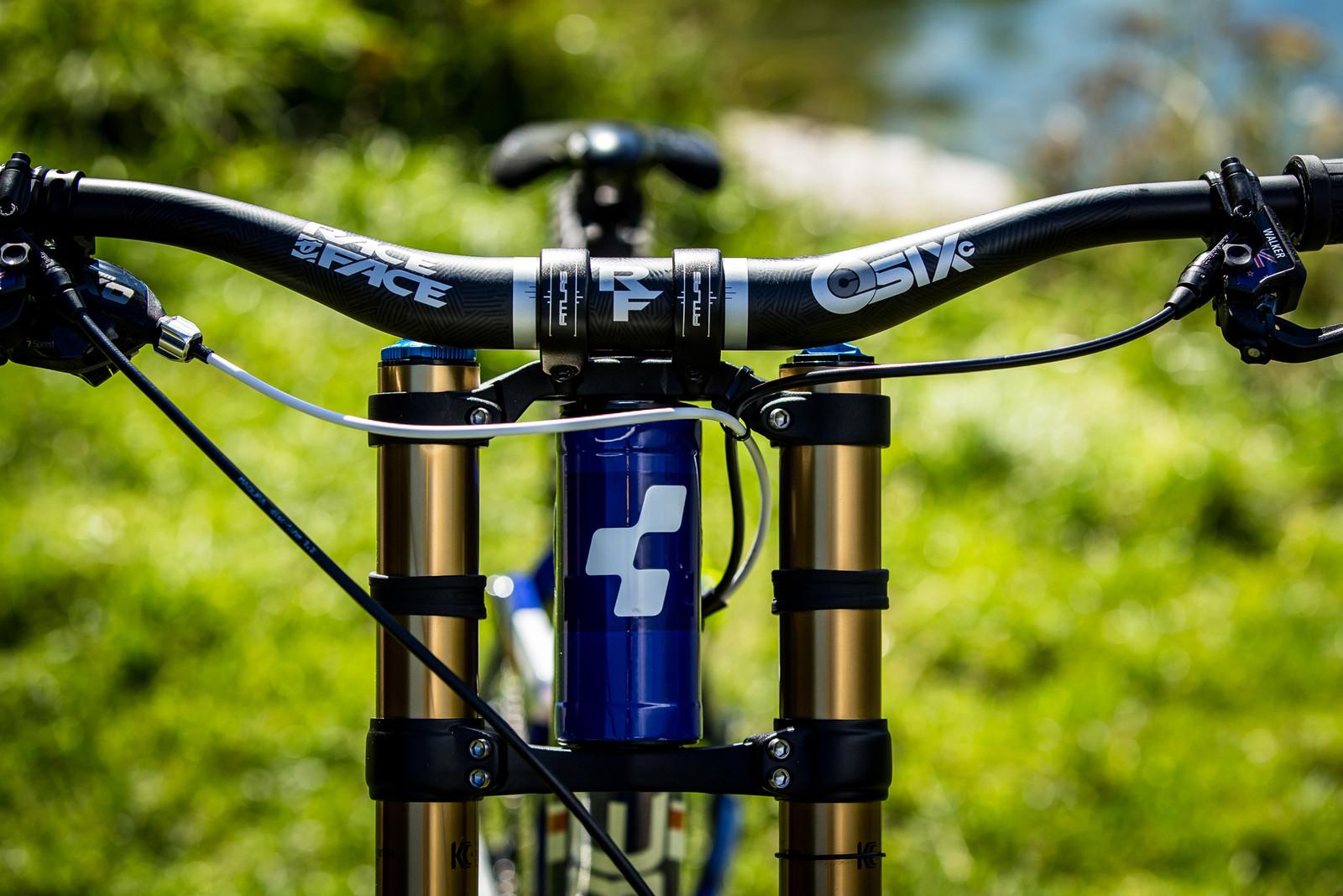 Race Face Cockpit - WORLD CHAMPS BIKES - Matt Walker and Max Hartenstern's Cubes - Mountain Biking Pictures - Vital MTB