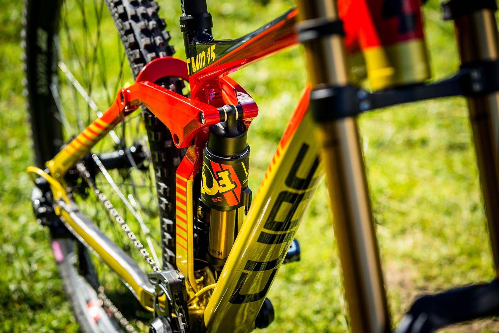 Molten - WORLD CHAMPS BIKES - Matt Walker and Max Hartenstern's Cubes - Mountain Biking Pictures - Vital MTB
