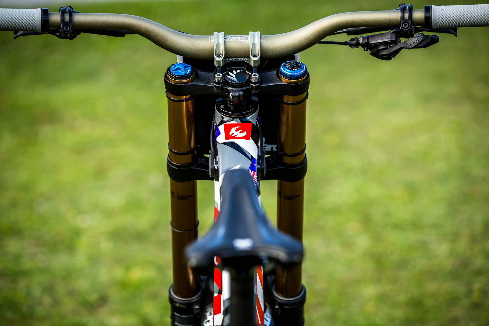 View from Off the Back - WORLD CHAMPS BIKE - Eddie Masters' Pivot Phoenix - Mountain Biking Pictures - Vital MTB
