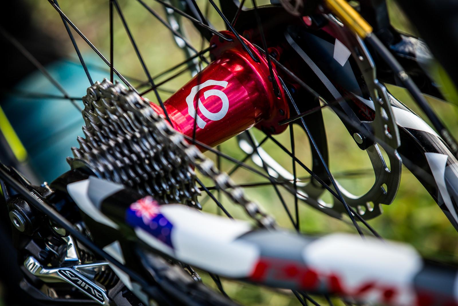 I9 Bling - WORLD CHAMPS BIKE - Eddie Masters' Pivot Phoenix - Mountain Biking Pictures - Vital MTB