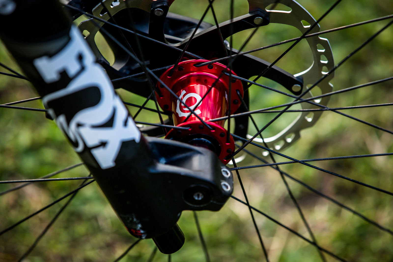 Industry Nine Front Hub - WORLD CHAMPS BIKE - Eddie Masters' Pivot Phoenix - Mountain Biking Pictures - Vital MTB