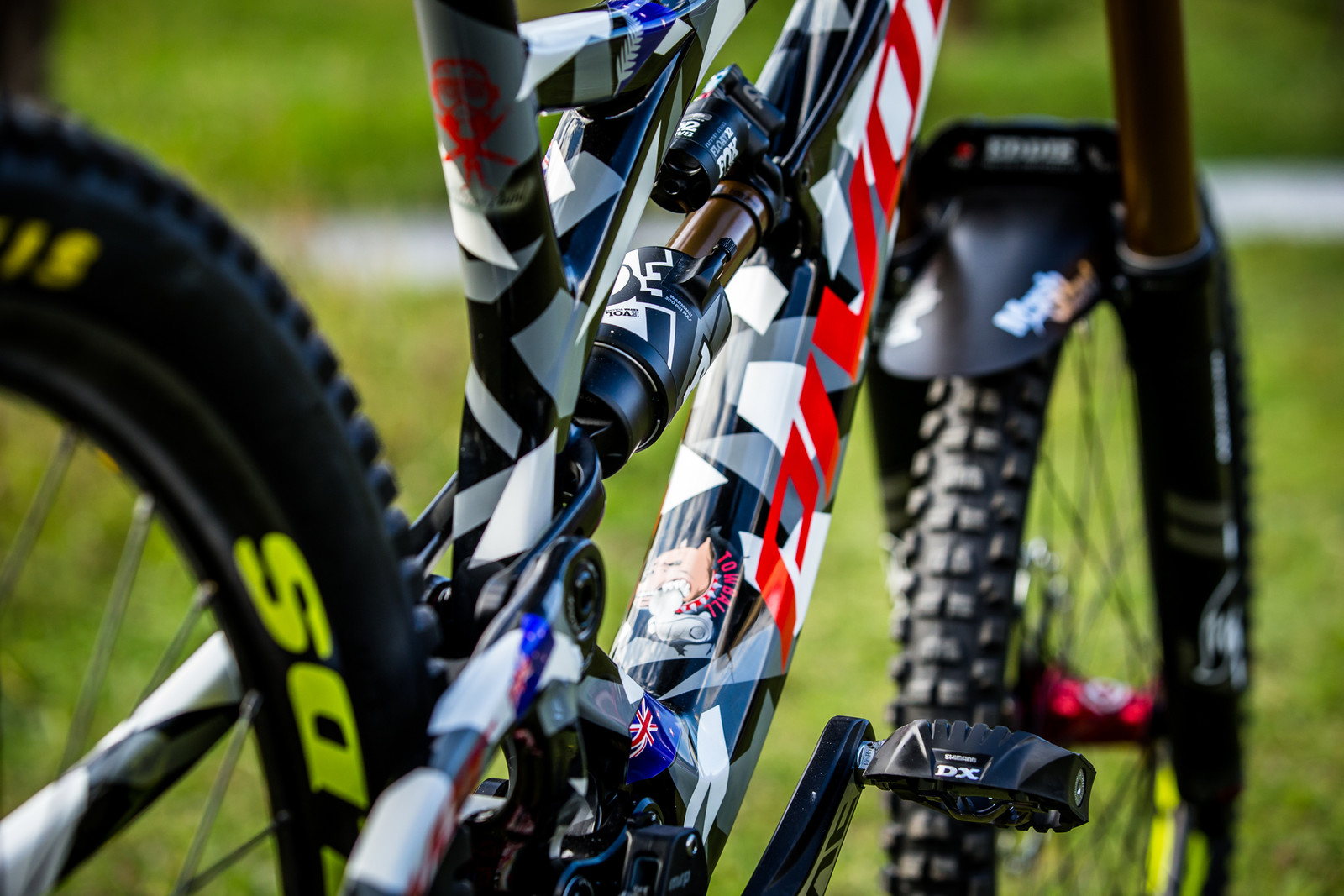 FOX Float X2 - WORLD CHAMPS BIKE - Eddie Masters' Pivot Phoenix - Mountain Biking Pictures - Vital MTB