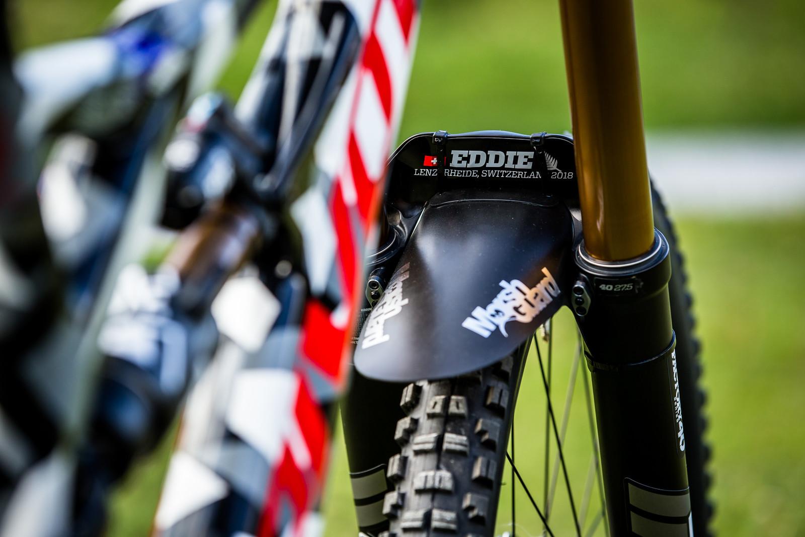 EDDIE - WORLD CHAMPS BIKE - Eddie Masters' Pivot Phoenix - Mountain Biking Pictures - Vital MTB