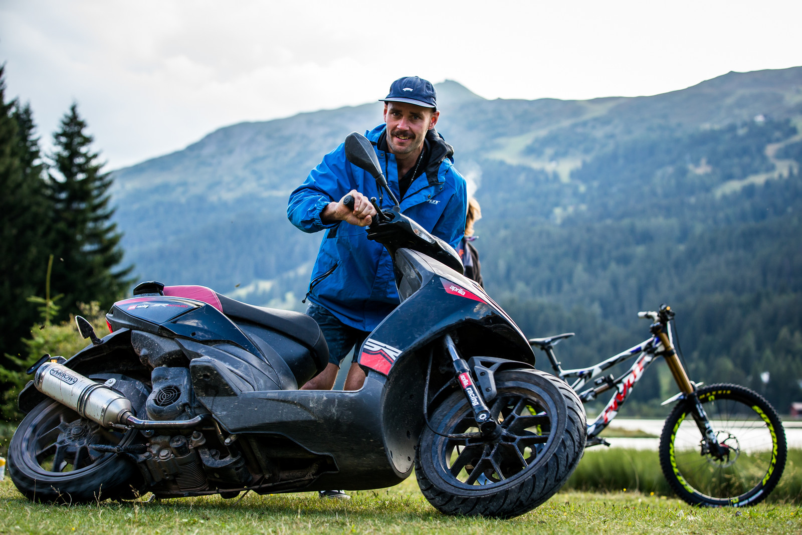 BRAAAP - WORLD CHAMPS BIKE - Eddie Masters' Pivot Phoenix - Mountain Biking Pictures - Vital MTB