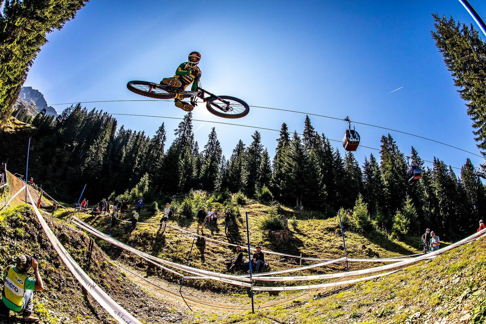 Minnaar - WORLD CHAMPS WHIPFEST - Mountain Biking Pictures - Vital MTB