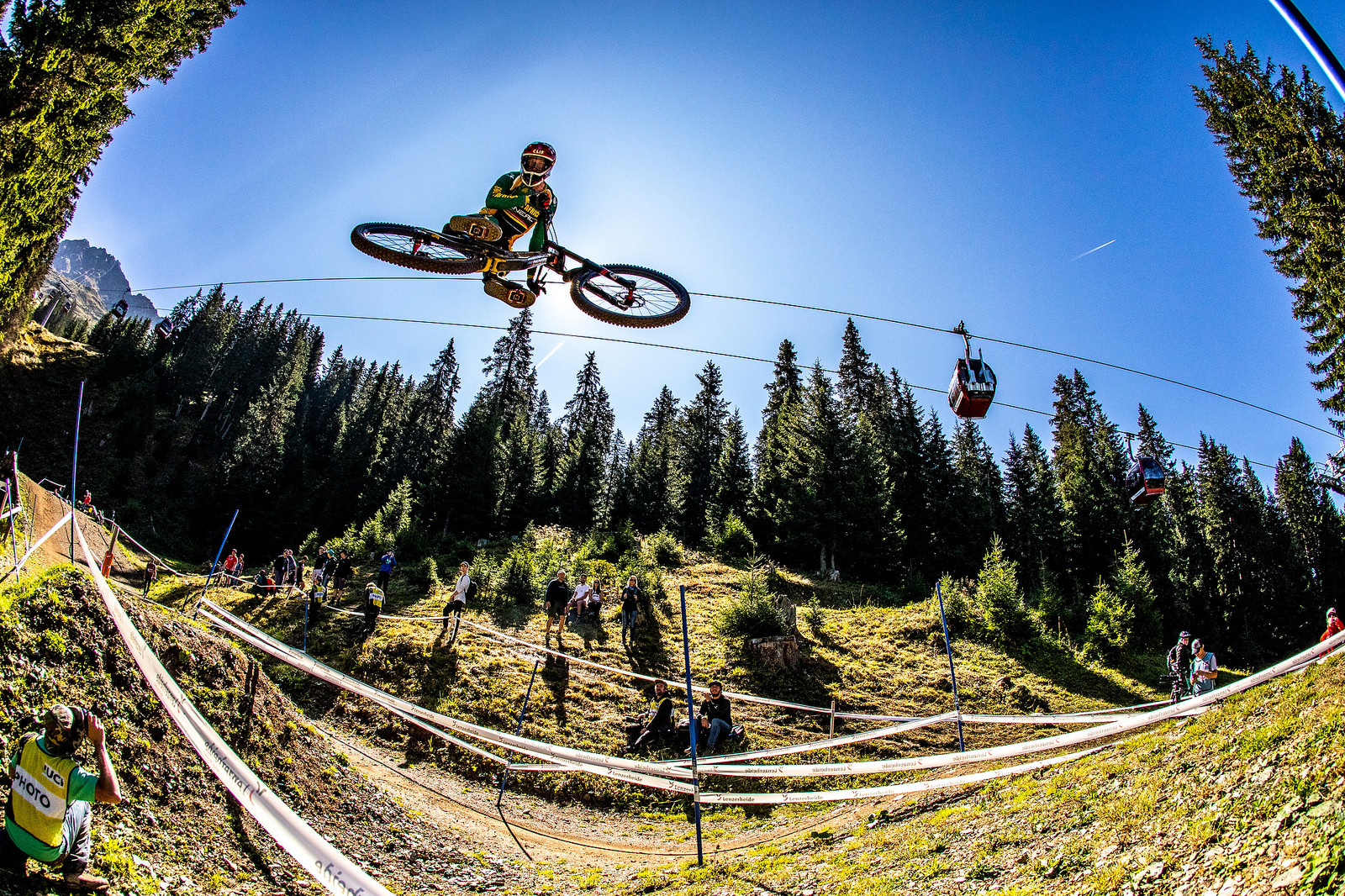 Minnaar - WORLD CHAMPS WHIPFEST - Mountain Biking Pictures - Vital MTB