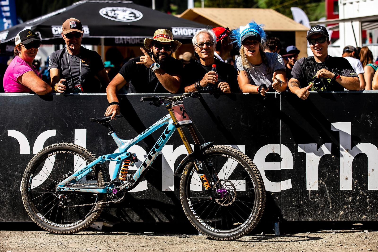 Heck Yeah! - WINNING BIKE - Rachel Atherton's Trek Session - Mountain Biking Pictures - Vital MTB