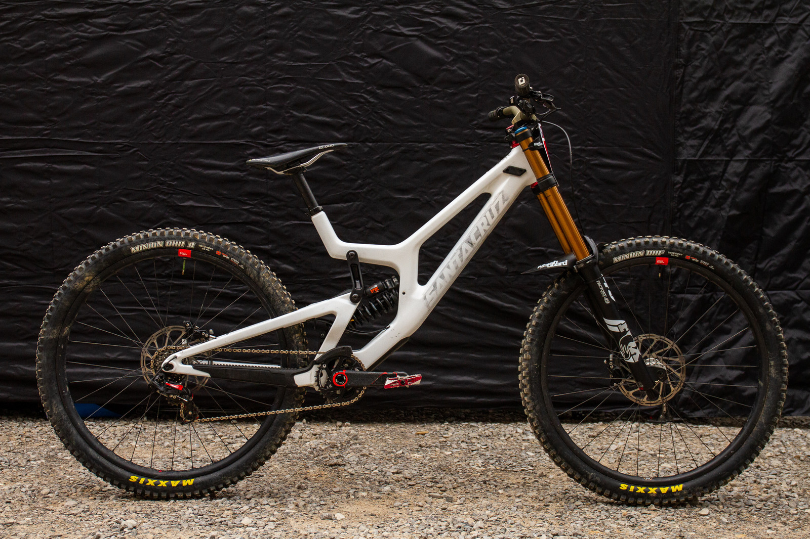 What's Stock, What's Not - Kiran MacKinnon's Santa Cruz V10 CC 29 - What's Stock, What's Not - Windrock Pro GRT - Mountain Biking Pictures - Vital MTB