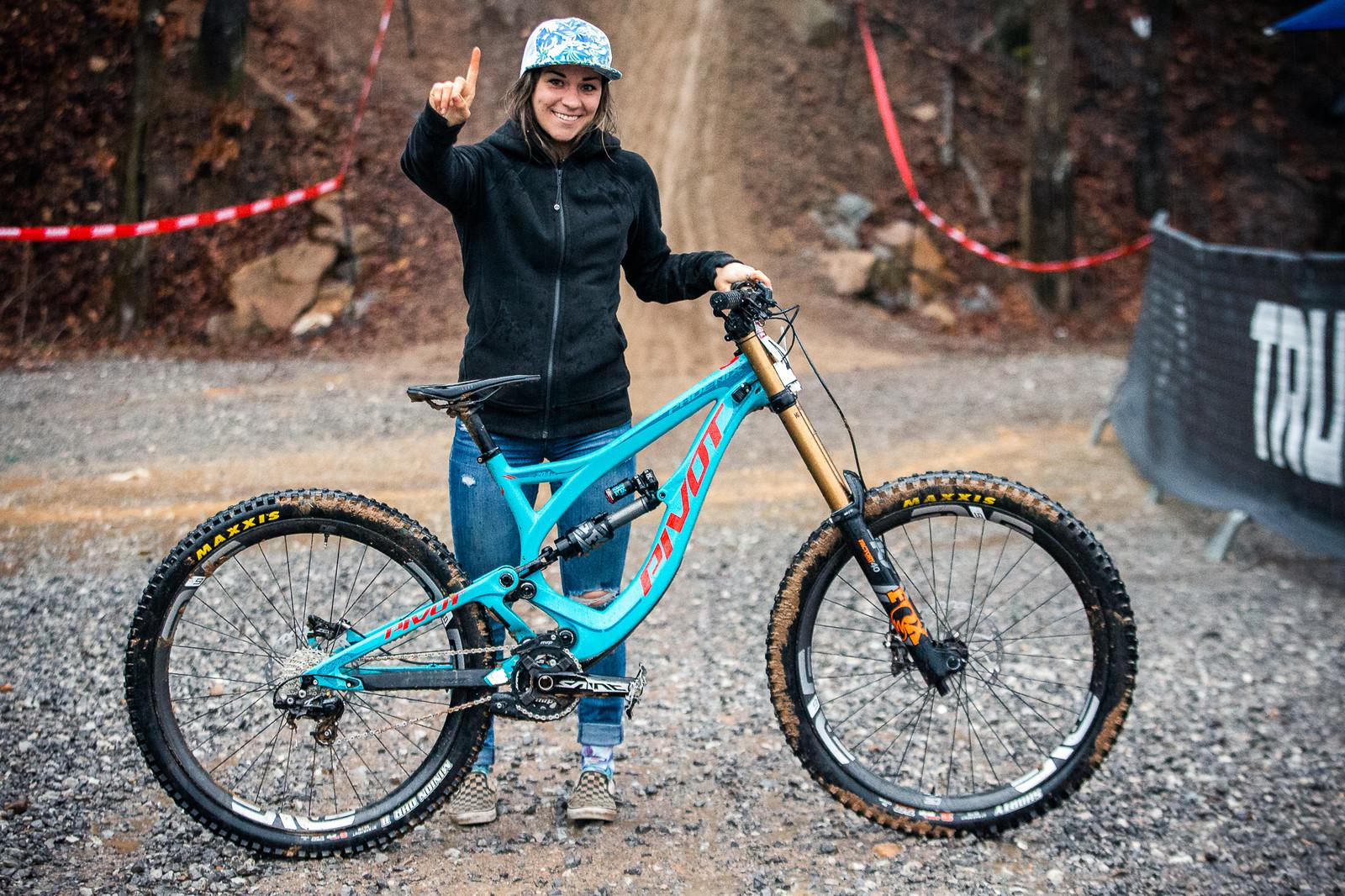 WINNING BIKE: Rachel Pageau's Pivot Phoenix 27.5 from Windrock Pro GRT - 2019 WINNING BIKES - Mountain Biking Pictures - Vital MTB