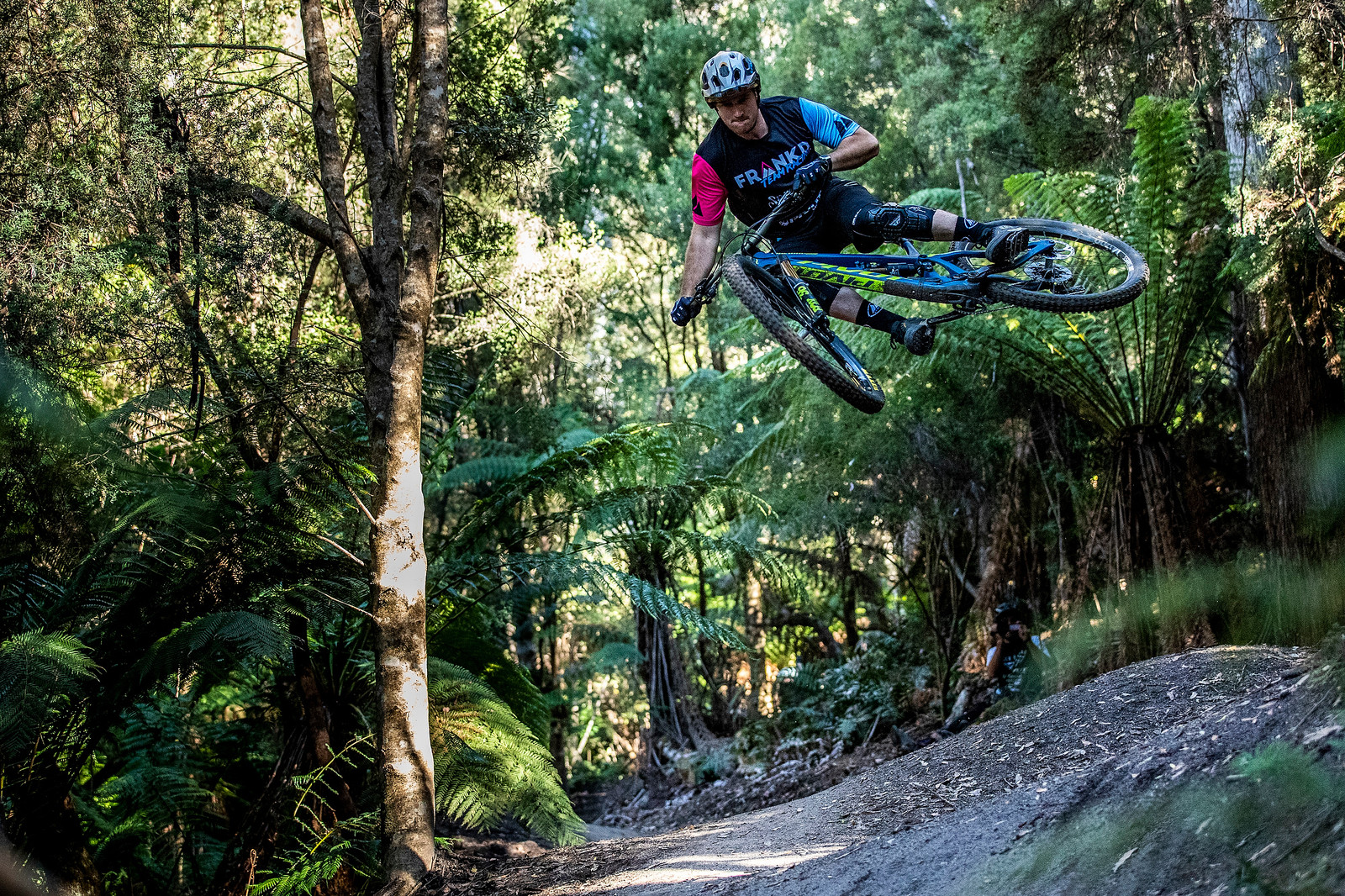 Rupe-a-loop - Officially Unsanctioned Enduro World Series Vertigo MTB / Moo Beer / Vital Whip-Off - Mountain Biking Pictures - Vital MTB