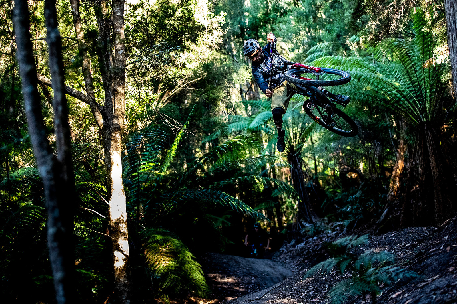 Invisible Footplant - Officially Unsanctioned Enduro World Series Vertigo MTB / Moo Beer / Vital Whip-Off - Mountain Biking Pictures - Vital MTB