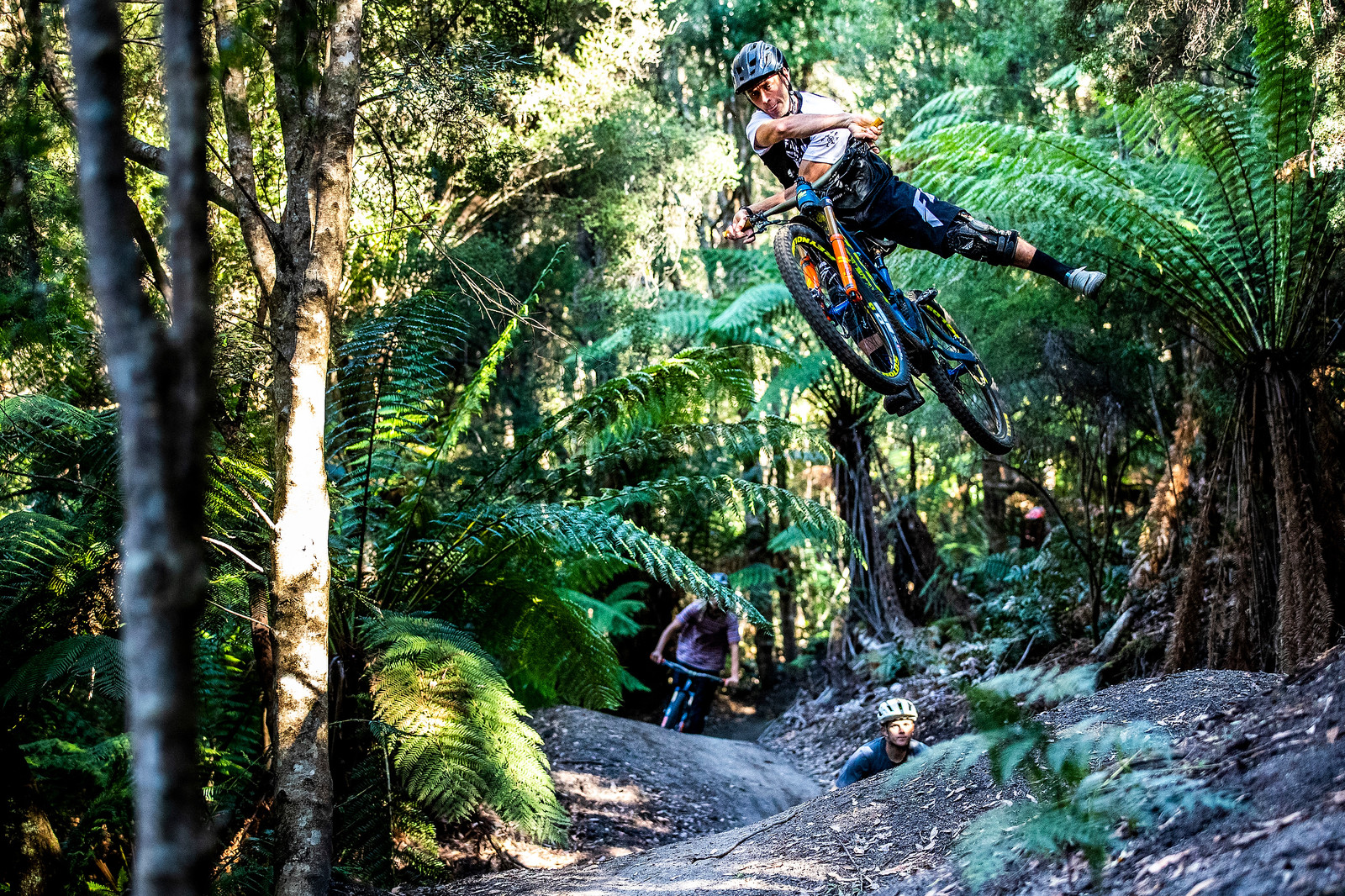 Eddie One-Footed X-up Masters - Officially Unsanctioned Enduro World Series Vertigo MTB / Moo Beer / Vital Whip-Off - Mountain Biking Pictures - Vital MTB