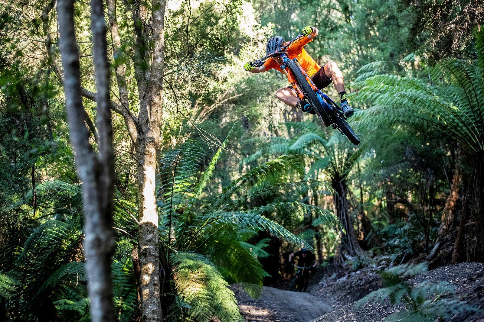 Martin Maes or Greg Hill? - Officially Unsanctioned Enduro World Series Vertigo MTB / Moo Beer / Vital Whip-Off - Mountain Biking Pictures - Vital MTB