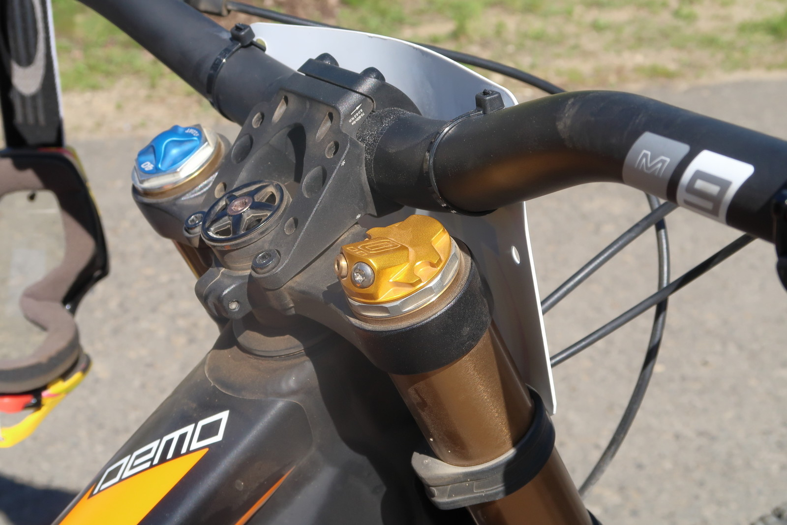Ohlins Cartridge in FOX 49 - PIT BITS - Tamarack Pro GRT / NW Cup - Mountain Biking Pictures - Vital MTB