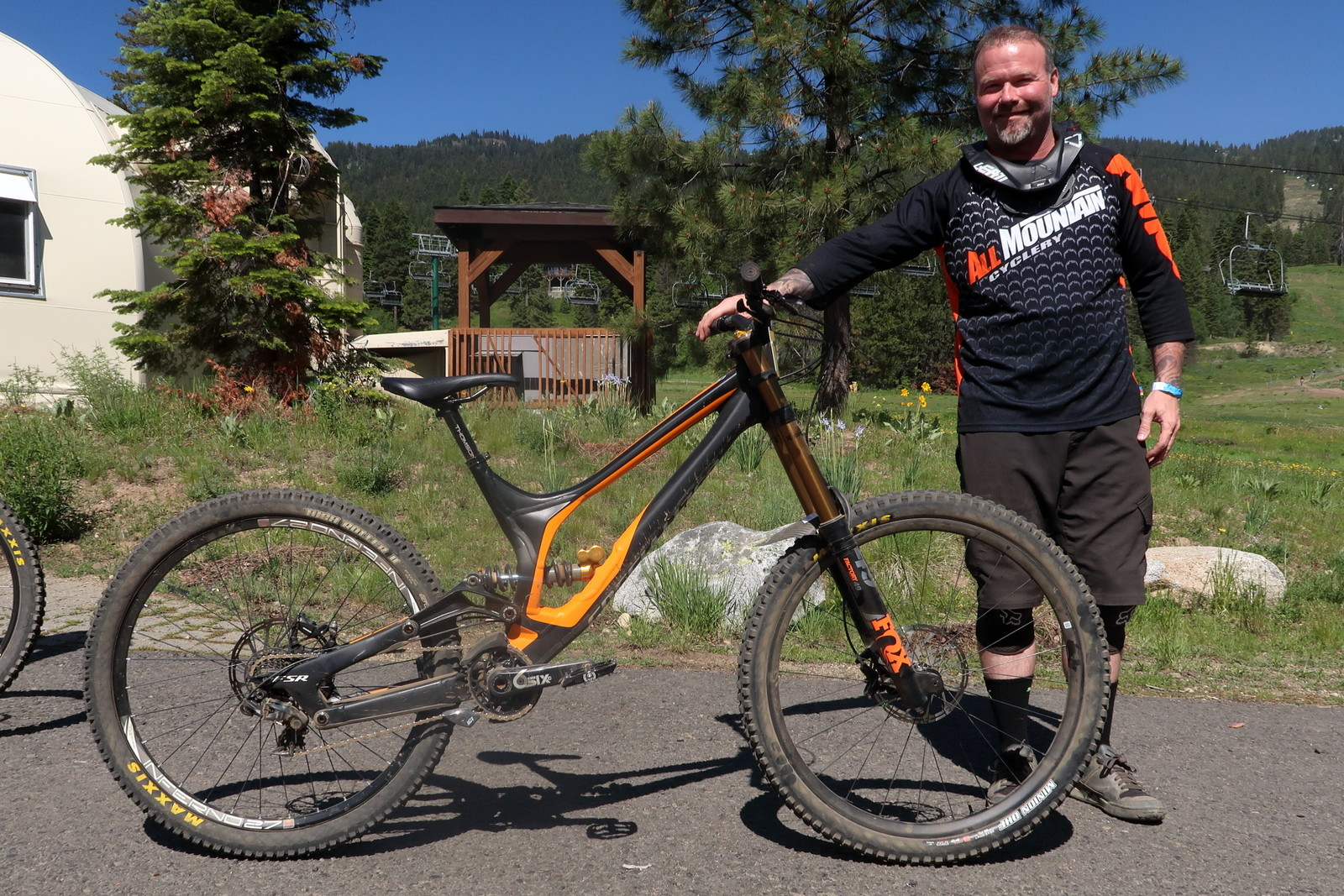 Chance Gibson's 69er / Mixer Specialized Demo - PIT BITS - Tamarack Pro GRT / NW Cup - Mountain Biking Pictures - Vital MTB
