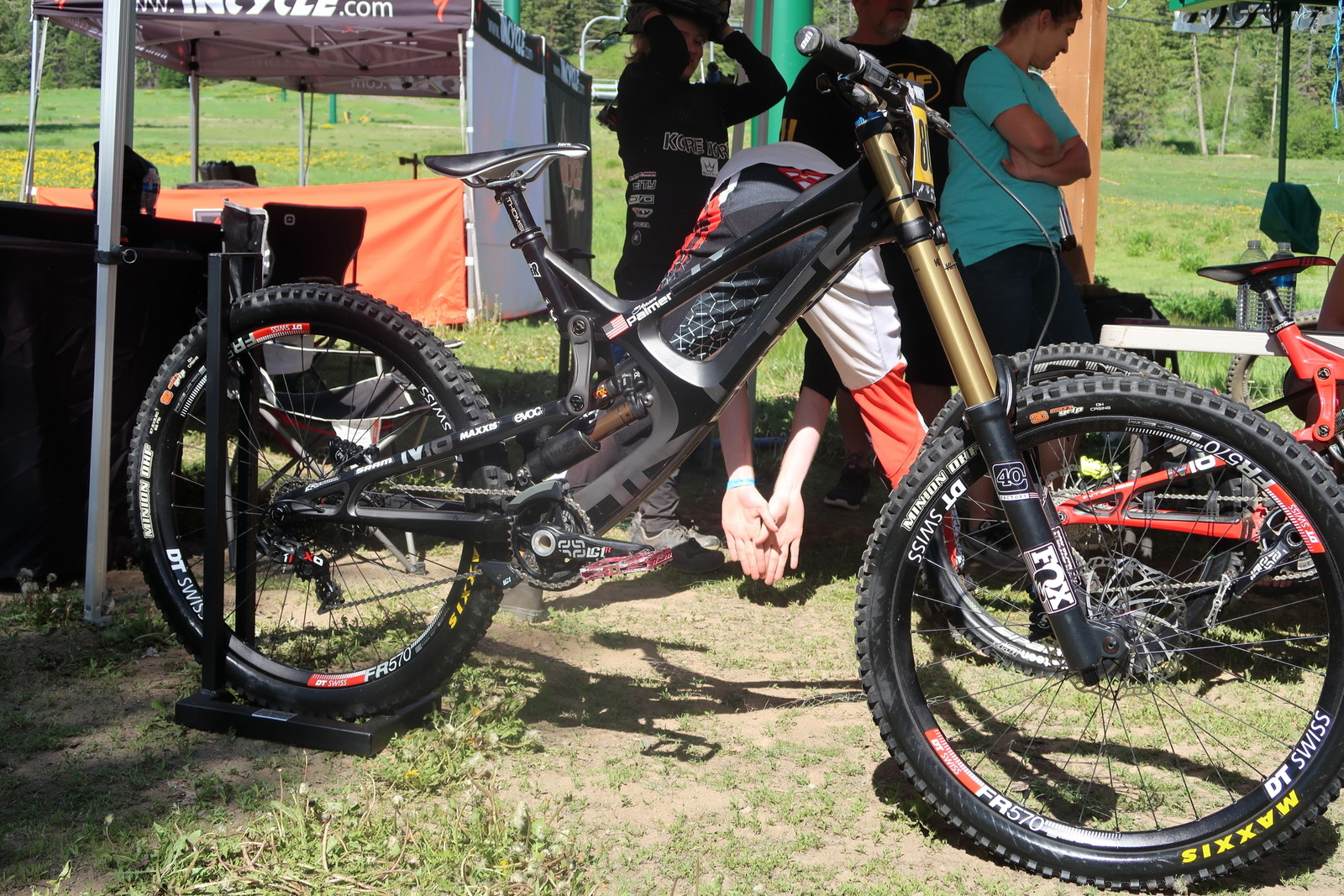 Shaun Palmer's Intense M16 for Damon Bradshaw - PIT BITS - Tamarack Pro GRT / NW Cup - Mountain Biking Pictures - Vital MTB