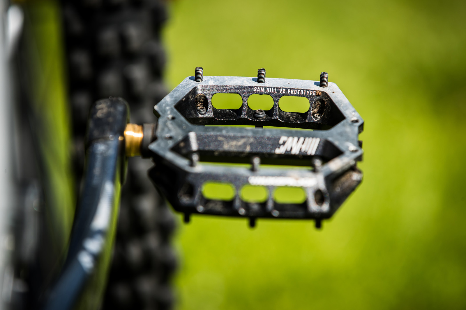 Prototype Nukeproof Flat Pedals - Sam Hill's Updated Prototype Nukeproof Mega 29 with SRAM AXS - Mountain Biking Pictures - Vital MTB