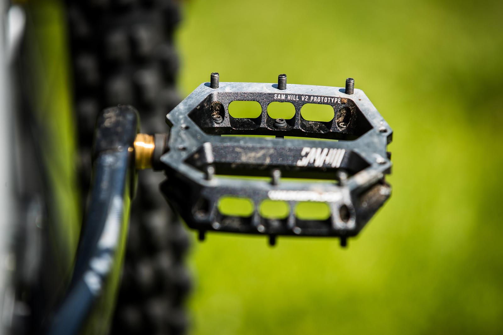 Prototype Nukeproof Flat Pedals - Sam Hill's Updated Prototype Nukeproof Mega 29 with SRAM AXS - Mountain Biking Pictures - Vital MTB