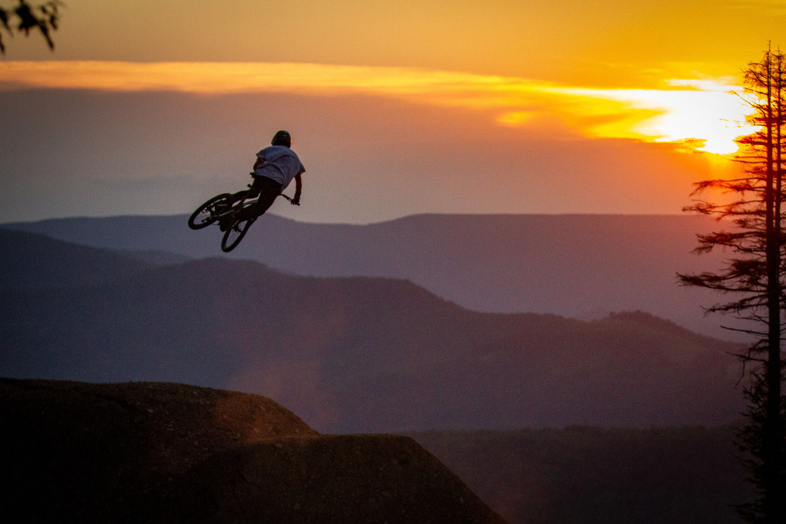 Sean Leader - Snowshoe Sunset Send Session - Downhill Southeast - Mountain Biking Pictures - Vital MTB