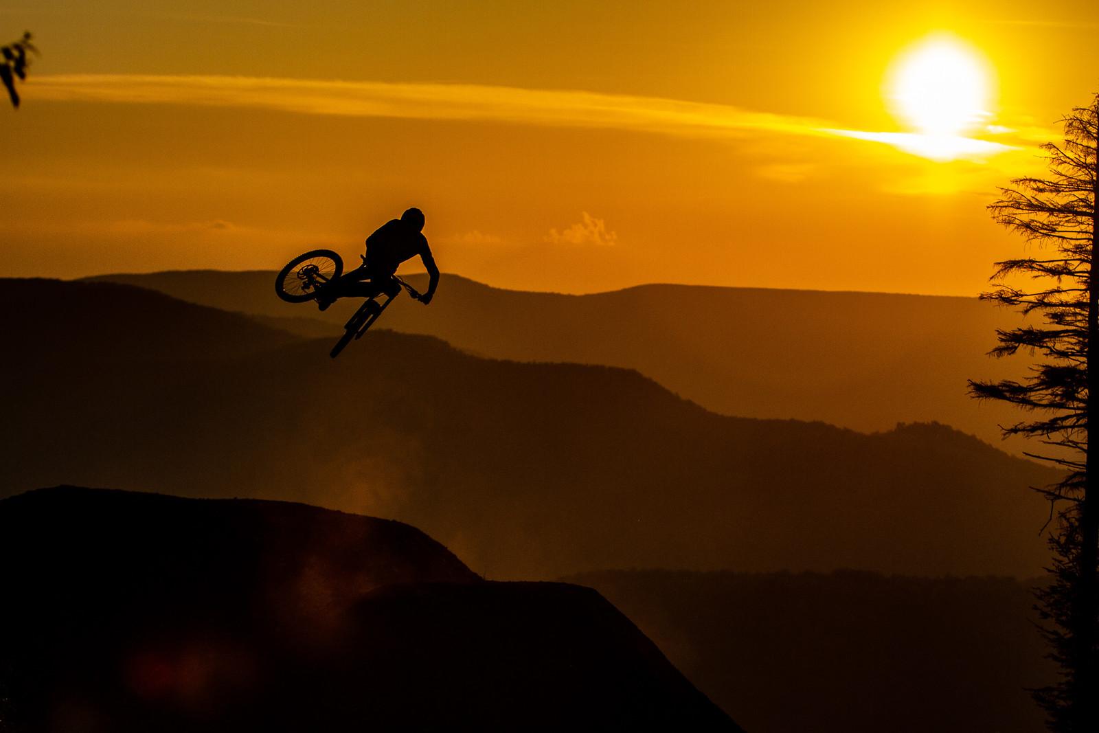 Neko Mulally - Snowshoe Sunset Send Session - Downhill Southeast - Mountain Biking Pictures - Vital MTB