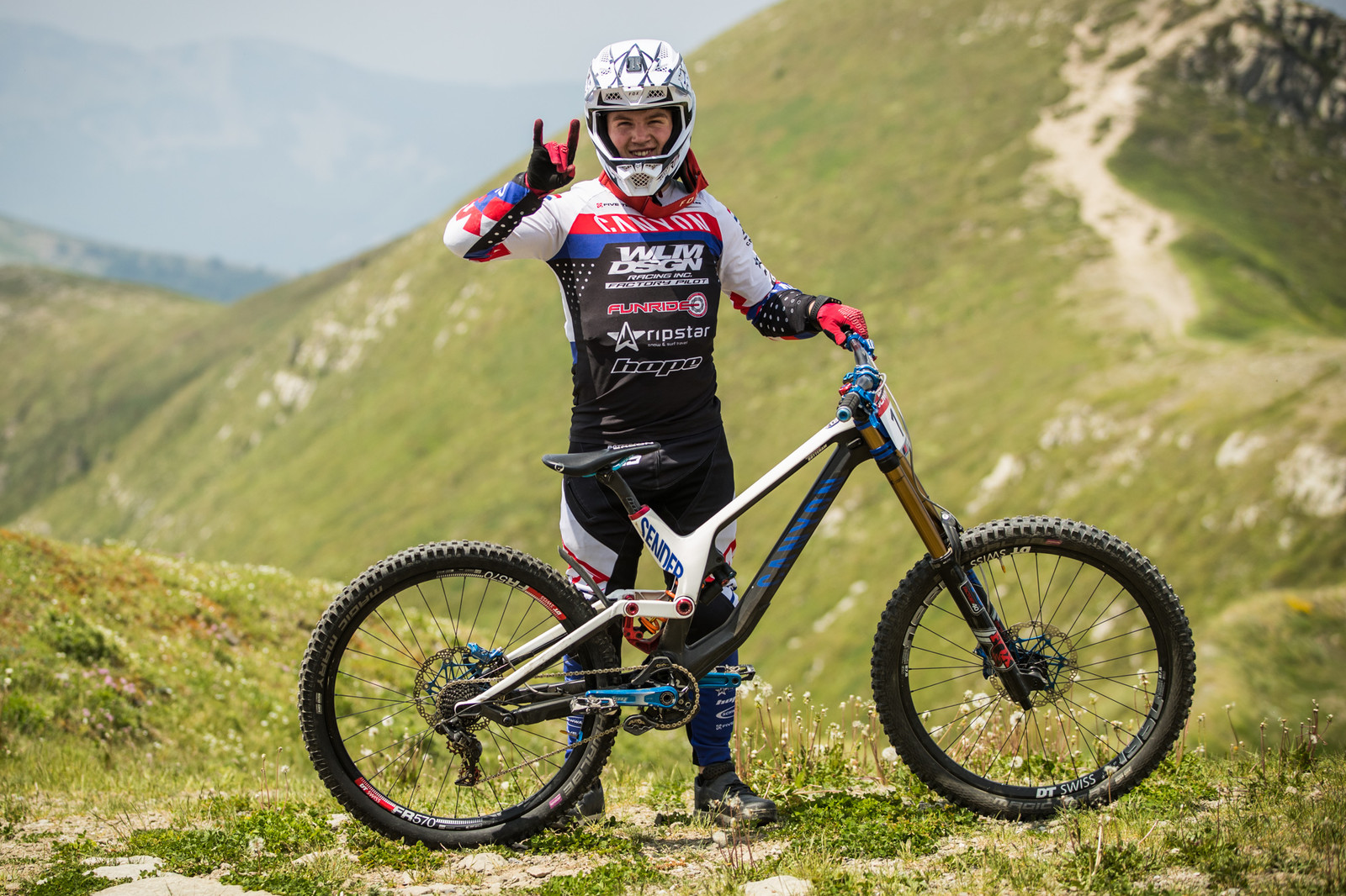 Tristan Botteram and his Canyon Sender - 25 Downhill Bikes - iXS DH Cup #3 - Abetone - Mountain Biking Pictures - Vital MTB