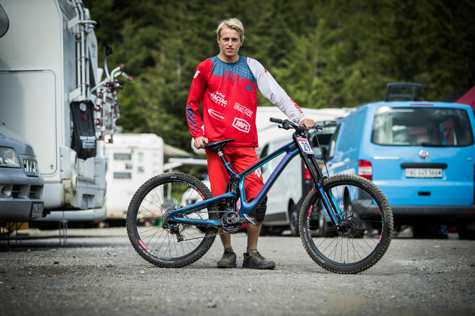 25 Downhill Bikes - iXS DH Cup #3 - Abetone - 25 Downhill Bikes - iXS DH Cup #3 - Abetone - Mountain Biking Pictures - Vital MTB