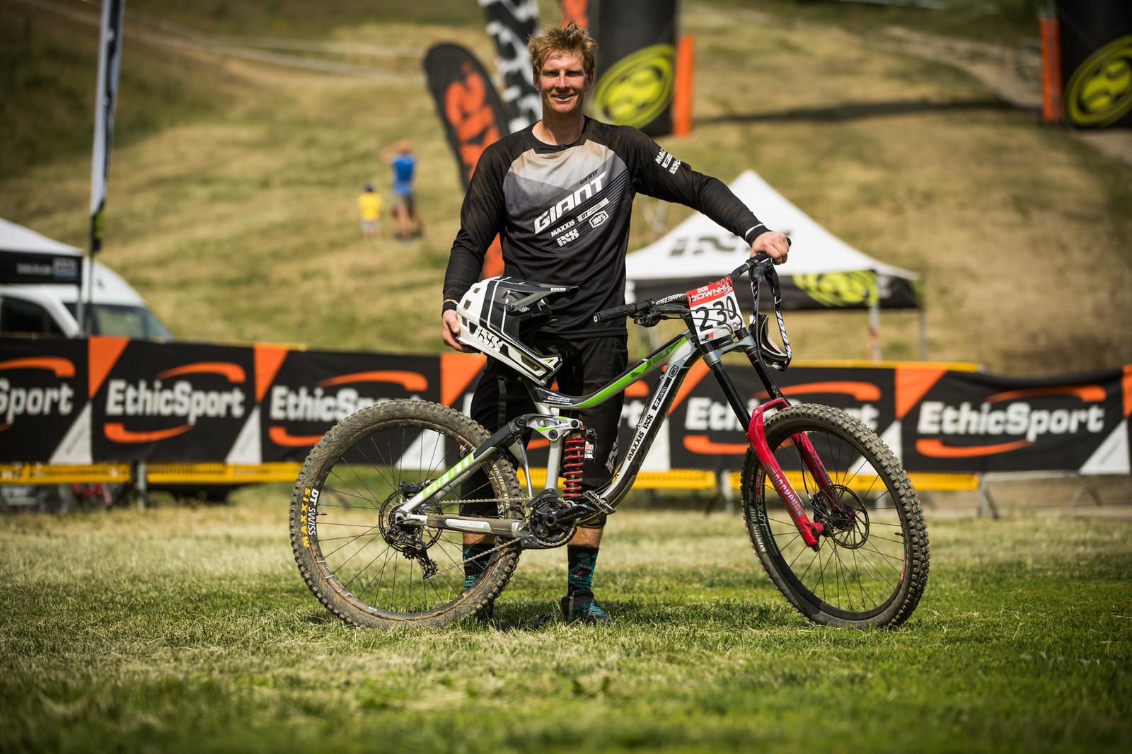 Masters winner Benjamin Herold and his Giant Glory - 25 Downhill Bikes - iXS DH Cup #3 - Abetone - Mountain Biking Pictures - Vital MTB