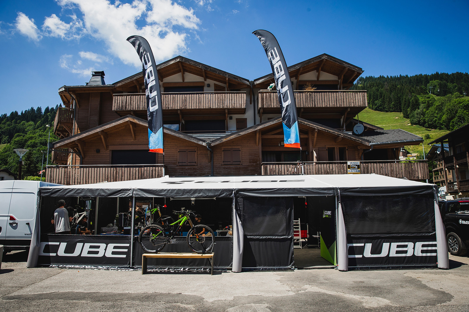 Cube Global Squad Pits - PIT BITS - 2019 Les Gets World Cup DH, France - Mountain Biking Pictures - Vital MTB