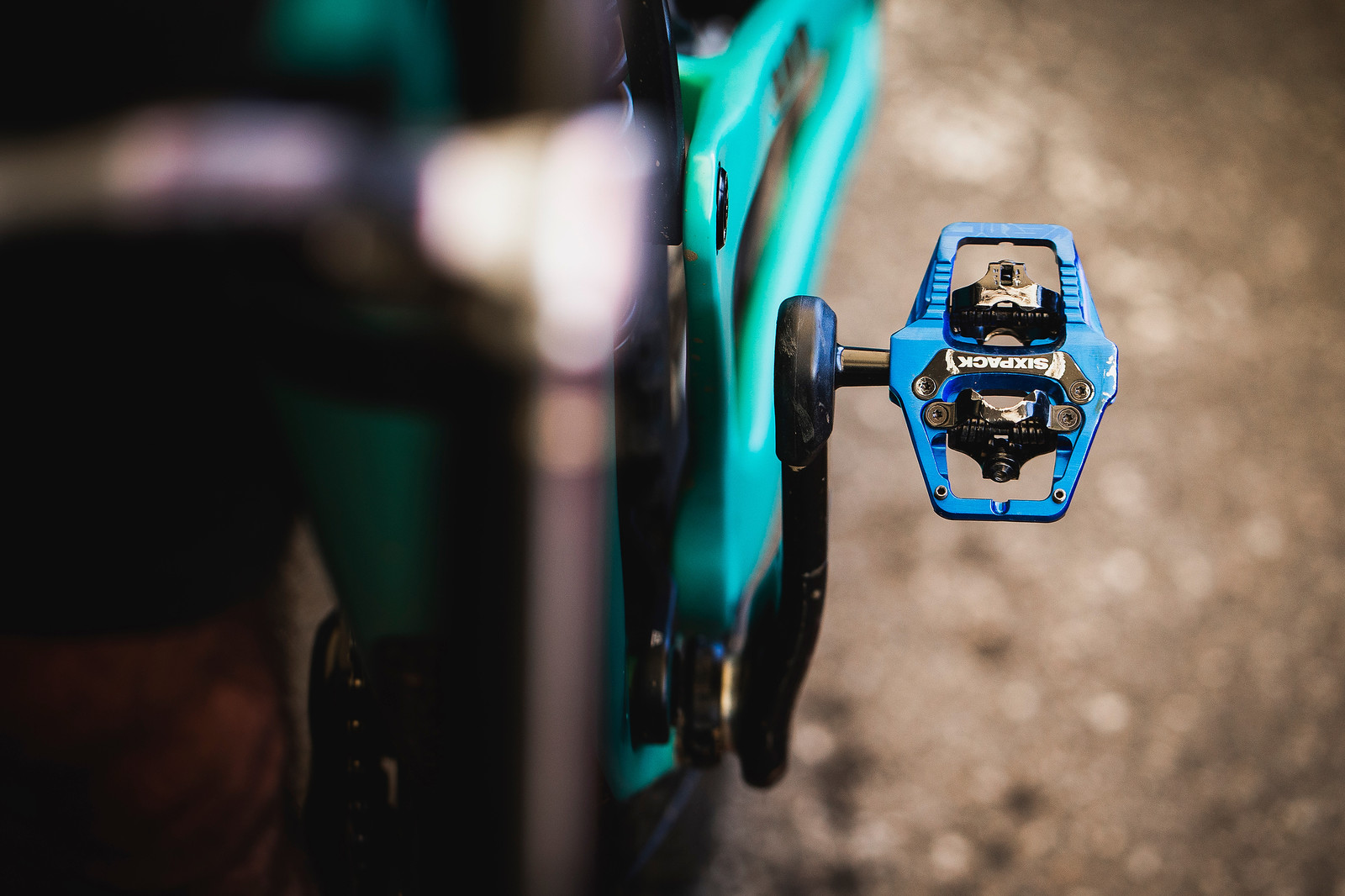 Sixpack Vertic Pedals - PIT BITS - 2019 Les Gets World Cup DH, France - Mountain Biking Pictures - Vital MTB