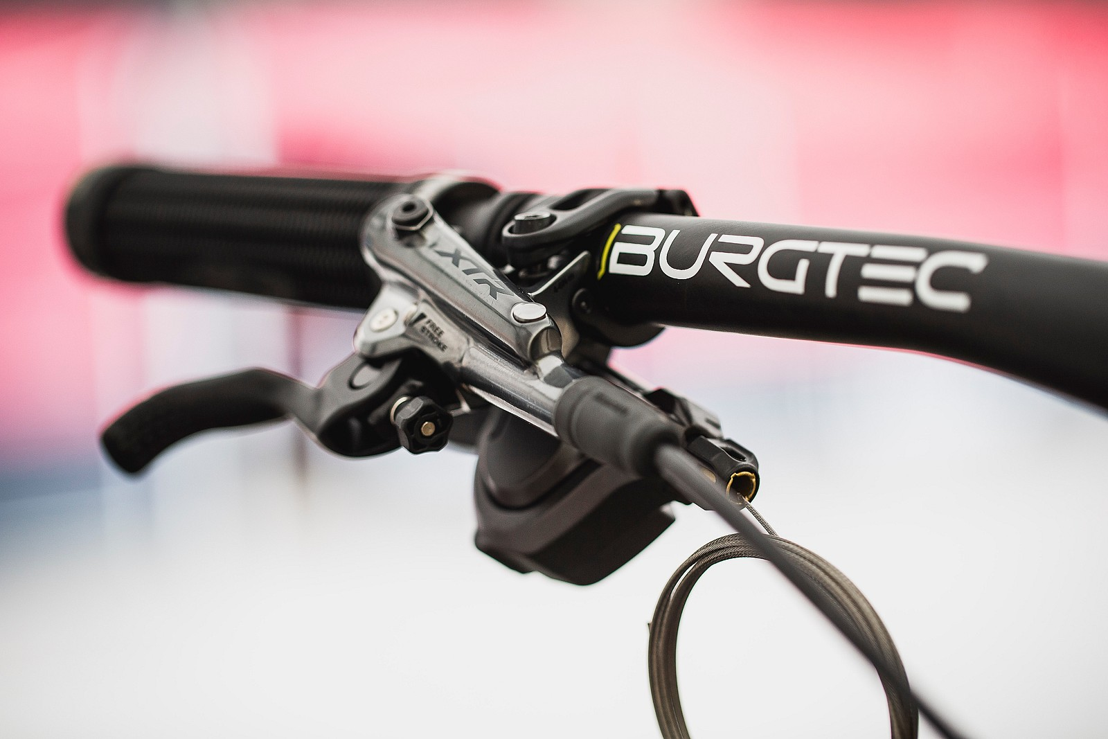 Shimano XTR Brakes for Loris - Loris Vergier 2019 World Cup Downhill Photos - Mountain Biking Pictures - Vital MTB