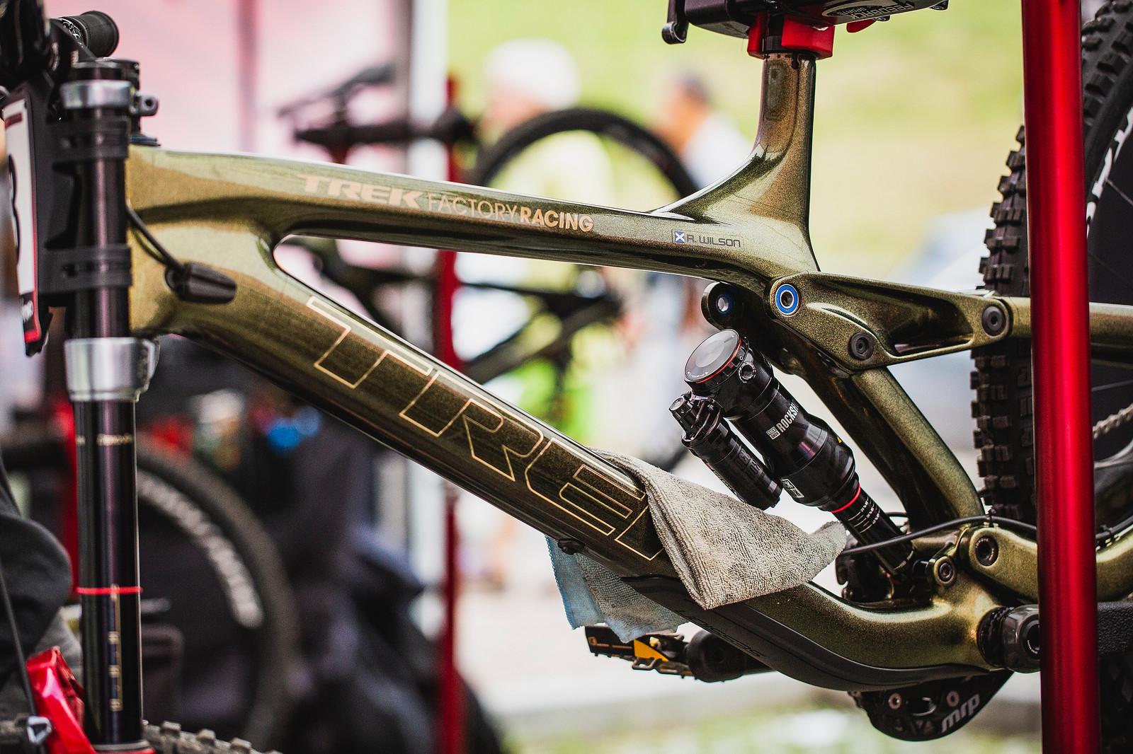 Reece Wilson's Trek Bling - PIT BITS - 2019 Val di Sole World Cup Downhill Bike Tech - Mountain Biking Pictures - Vital MTB