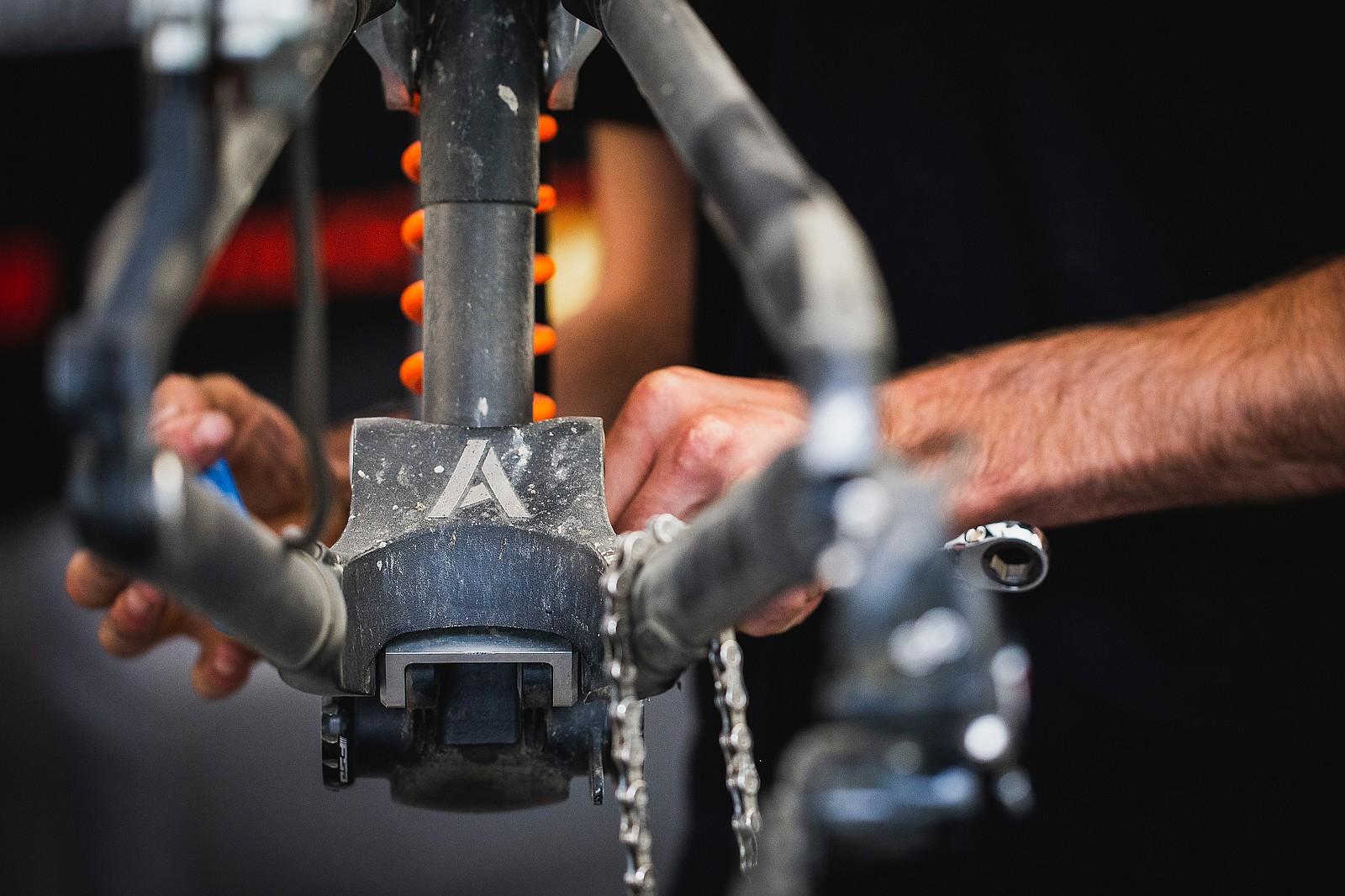 Atherton Prototype Guts - PIT BITS - 2019 Val di Sole World Cup Downhill Bike Tech - Mountain Biking Pictures - Vital MTB