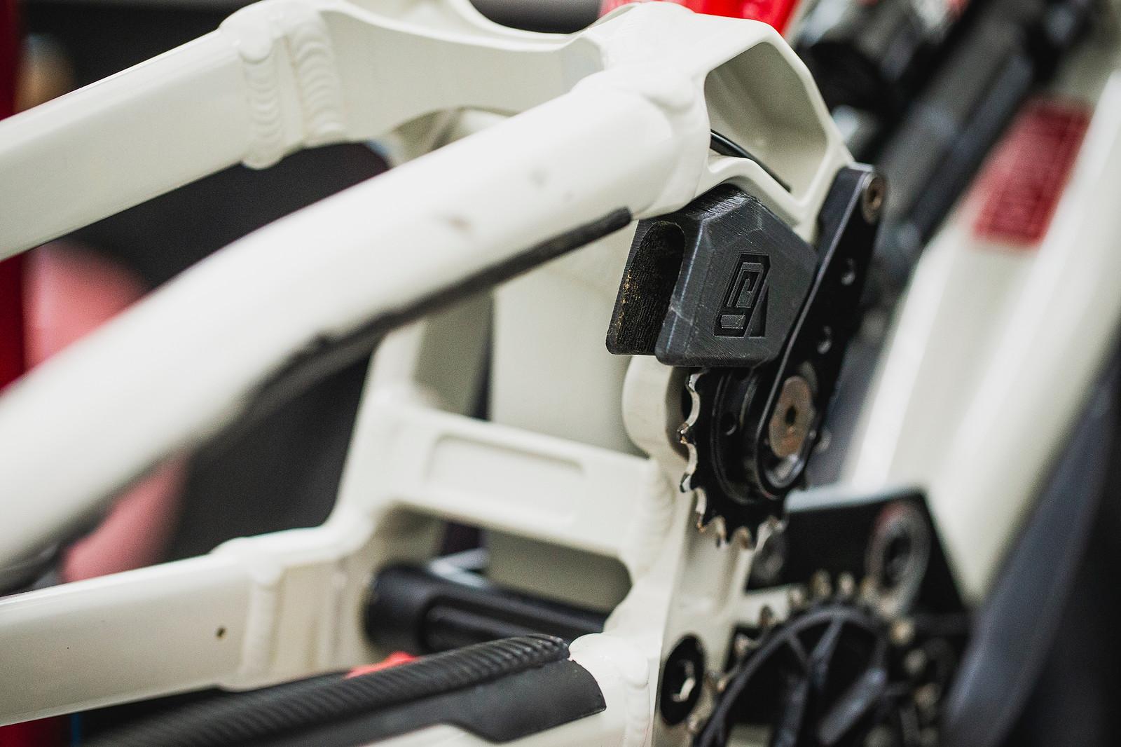 Commencal Supreme Idler Position - PIT BITS - 2019 Val di Sole World Cup Downhill Bike Tech - Mountain Biking Pictures - Vital MTB