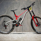 WINNING BIKE - Amaury Pierron's Commencal Supreme DH from Lenzerheide