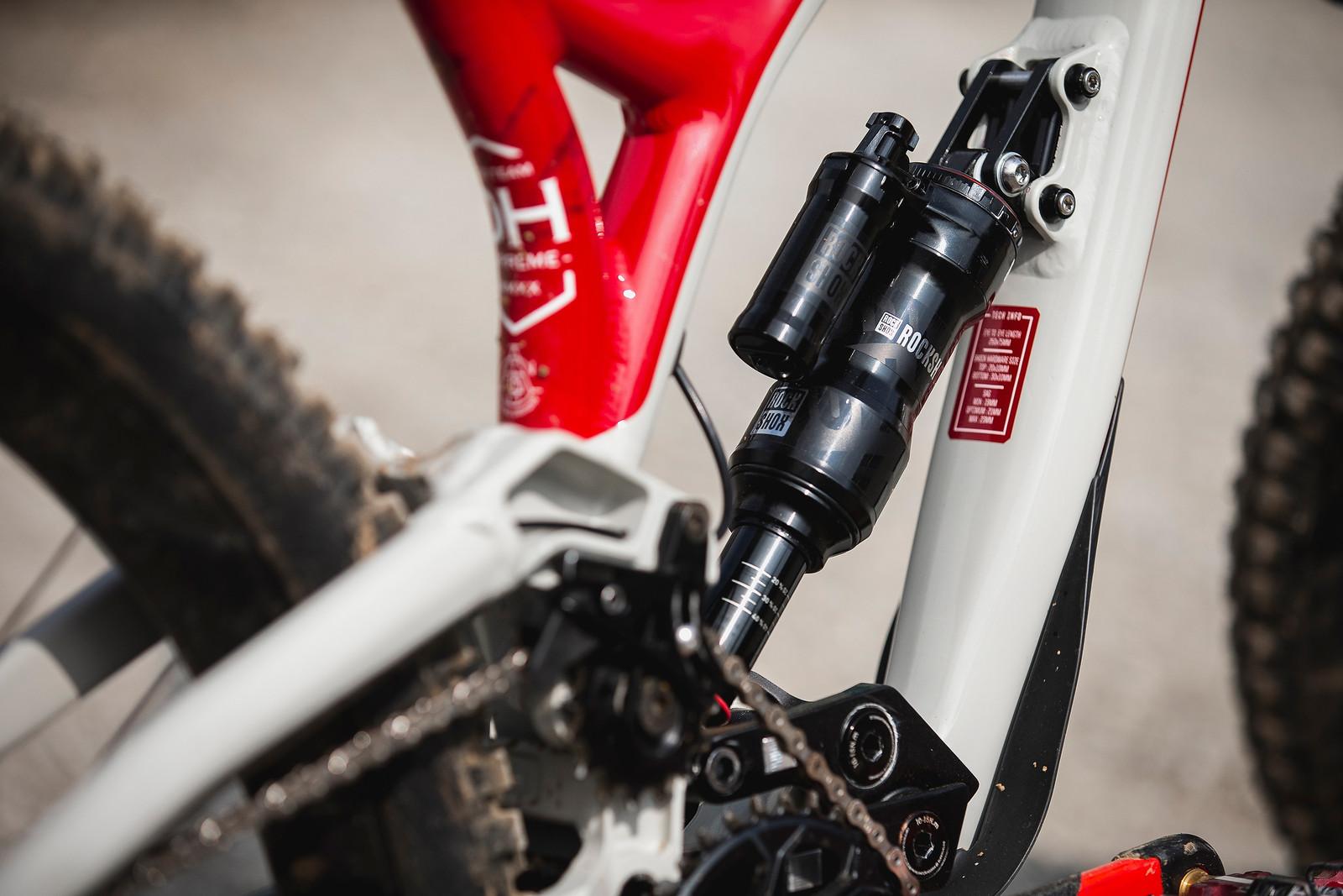 Back to Air Shock - WINNING BIKE - Amaury Pierron's Commencal Supreme DH - Mountain Biking Pictures - Vital MTB