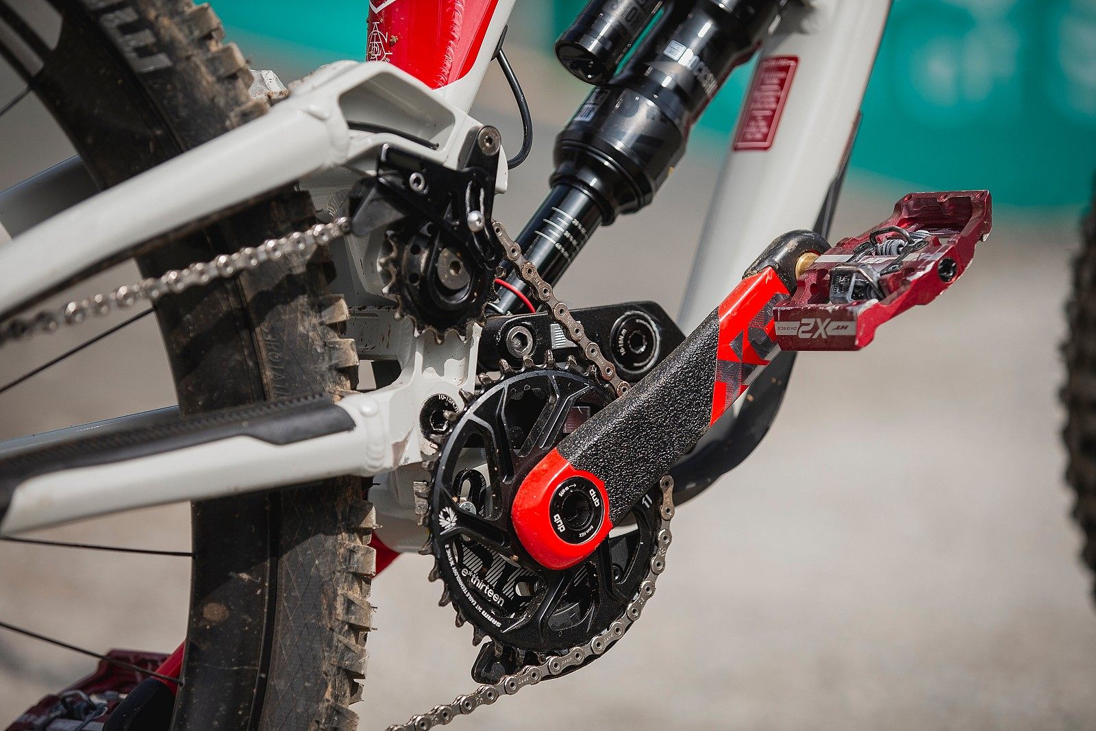 Mid-Position Idler and Anti-Vibration Sticker - WINNING BIKE - Amaury Pierron's Commencal Supreme DH - Mountain Biking Pictures - Vital MTB