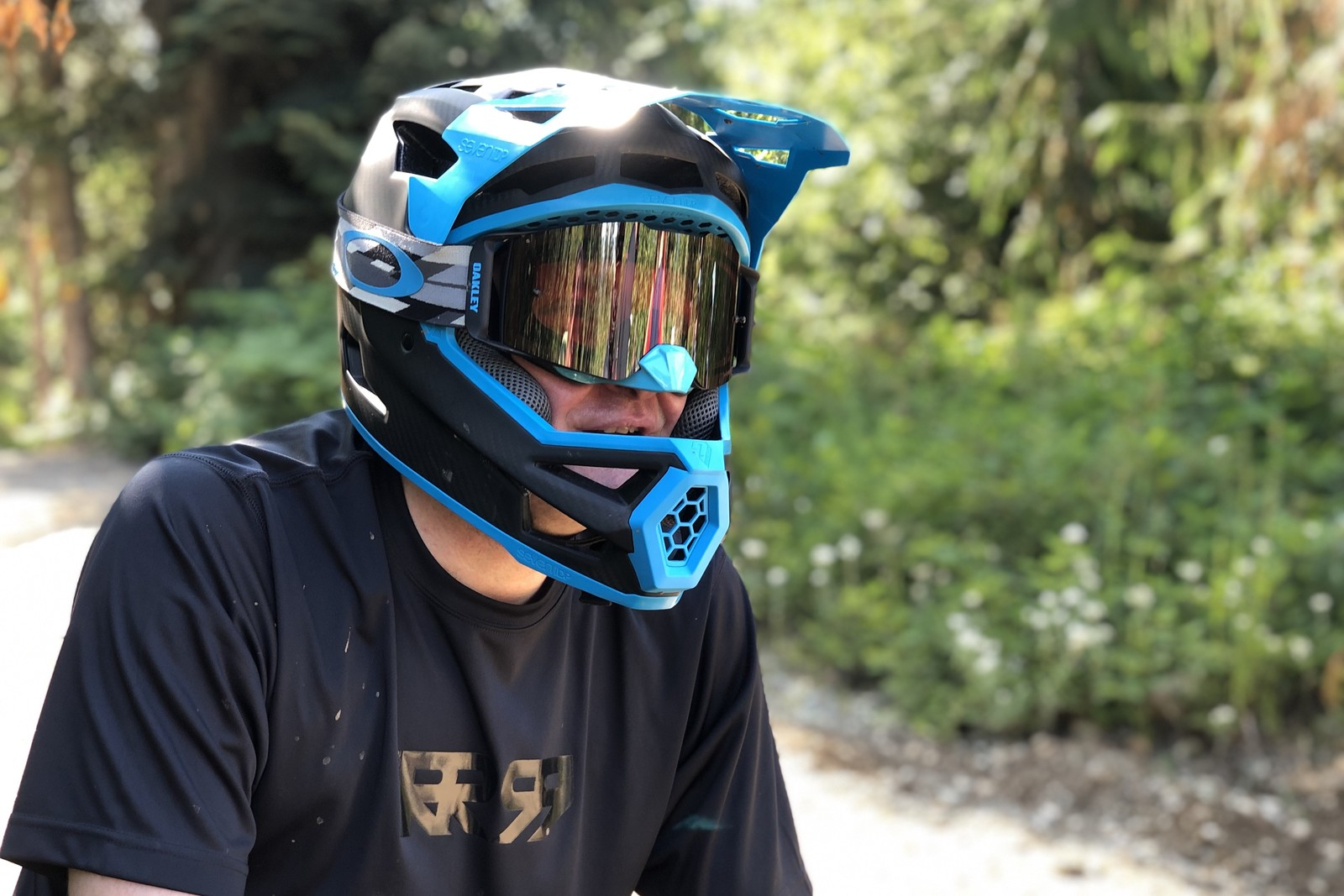 New Lightweight Fullface Helmet from 7 Protection - PIT BITS - 2019 Crankworx Whistler Bikes and Tech - Mountain Biking Pictures - Vital MTB