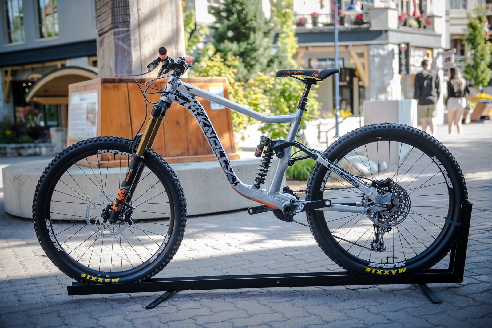 All-New 2020 Knolly Delirium - PIT BITS - 2019 Crankworx Whistler Bikes and Tech - Mountain Biking Pictures - Vital MTB