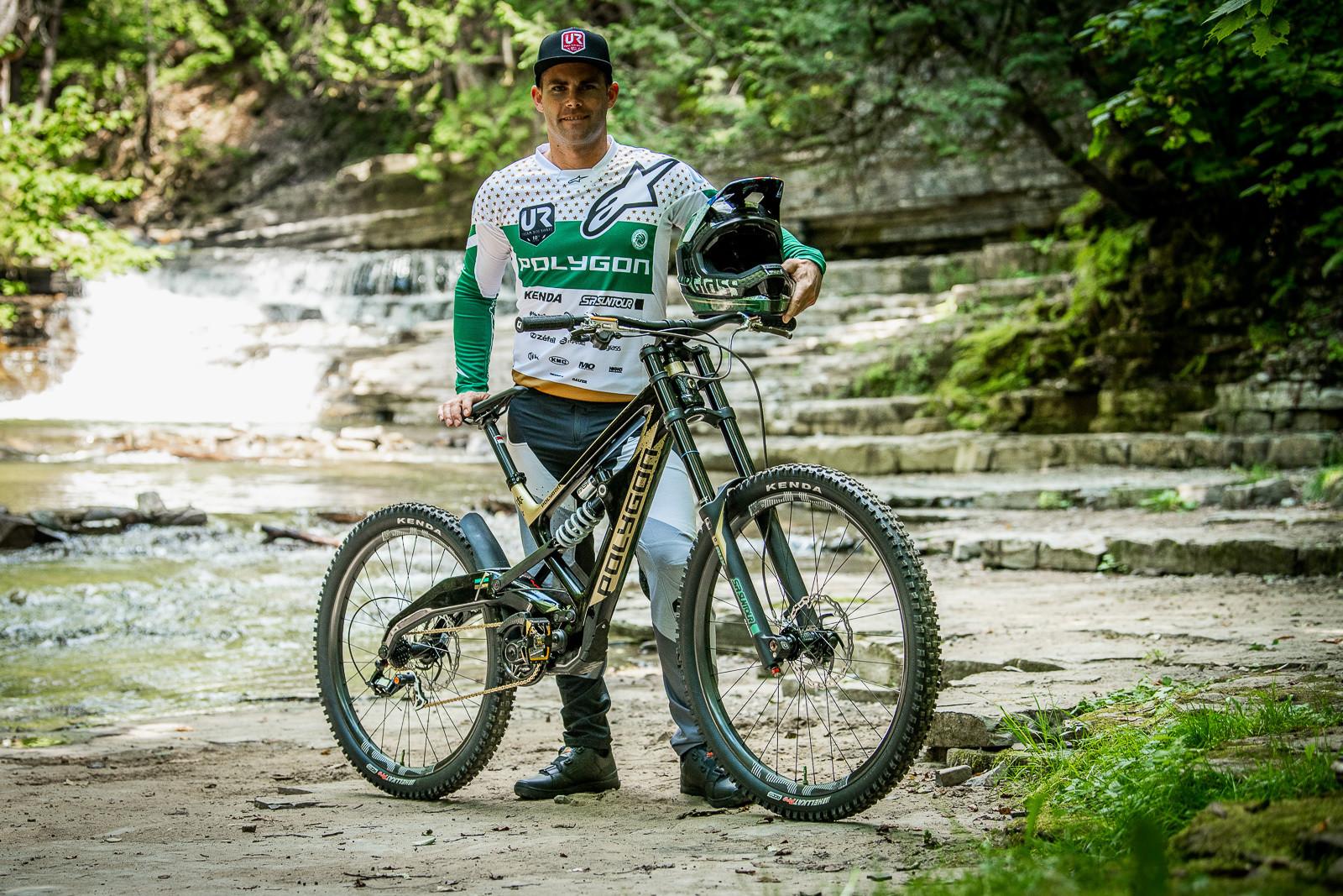 Mick Hannah with his Polygon World Championships DH Race Bike - Tracey and Mick Hannah's World Champs Polygon DH Race Bikes - Mountain Biking Pictures - Vital MTB