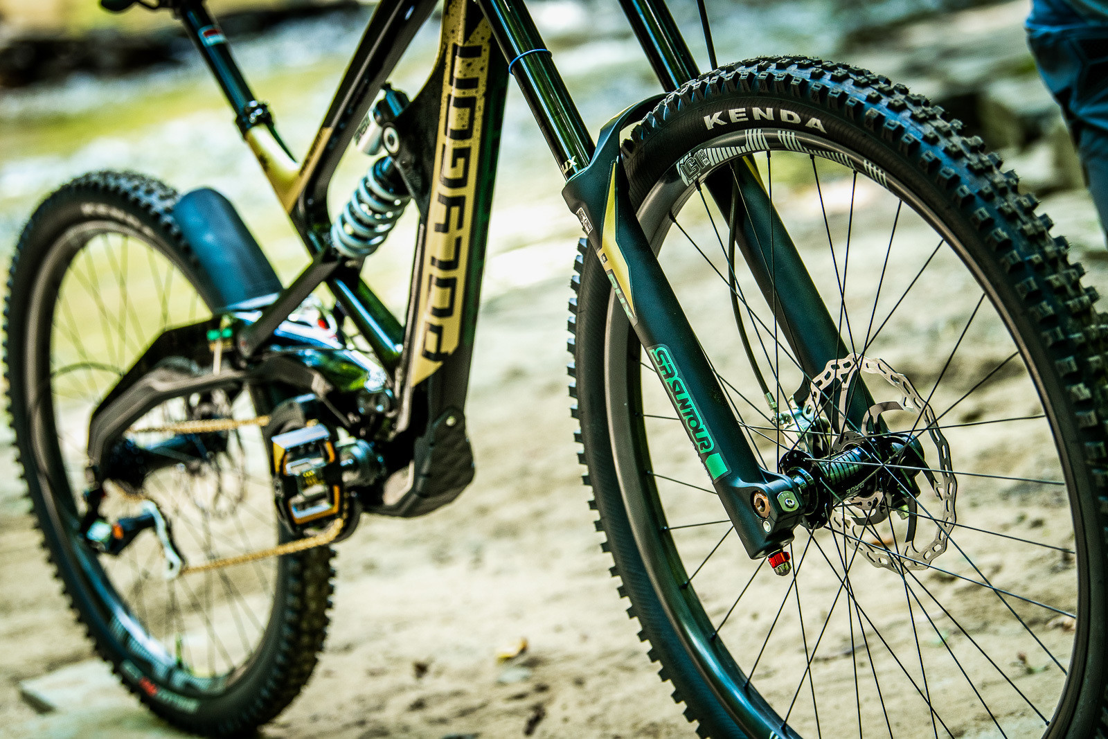 SR Suntour RUX Fork - Tracey and Mick Hannah's World Champs Polygon DH Race Bikes - Mountain Biking Pictures - Vital MTB