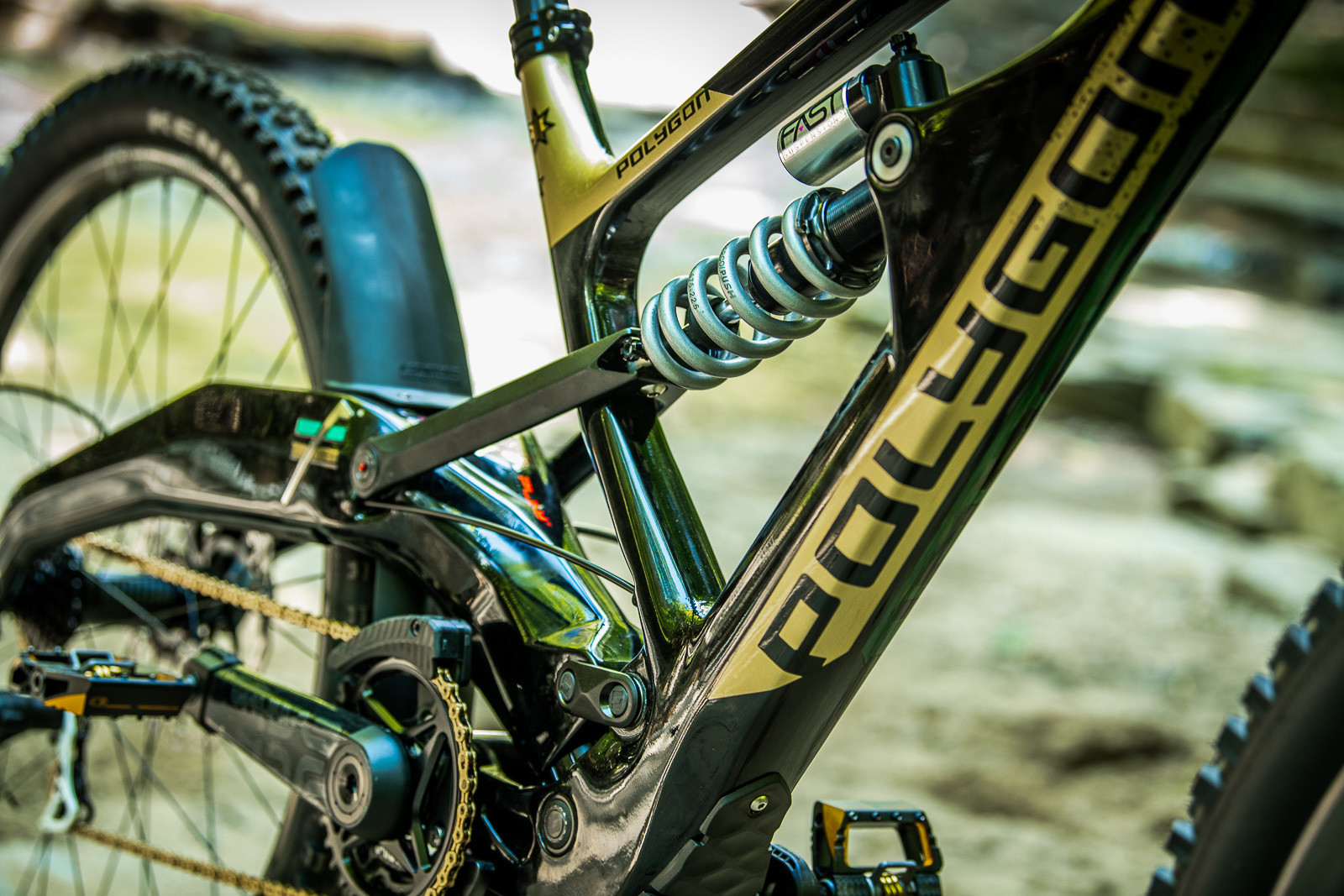 Linkages - Tracey and Mick Hannah's World Champs Polygon DH Race Bikes - Mountain Biking Pictures - Vital MTB