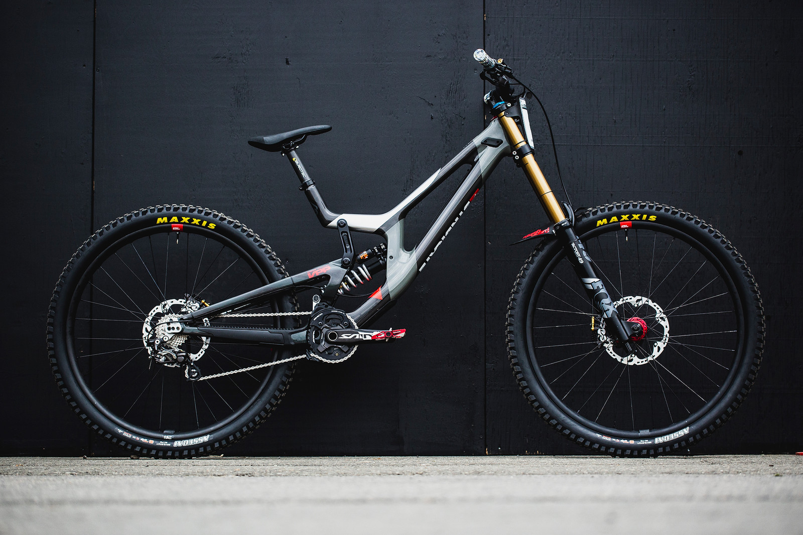 Greg Minnaar's Santa Cruz V10 for 2019 World Championships - Santa Cruz Syndicate 2019 World Championships Race Bikes - Mountain Biking Pictures - Vital MTB