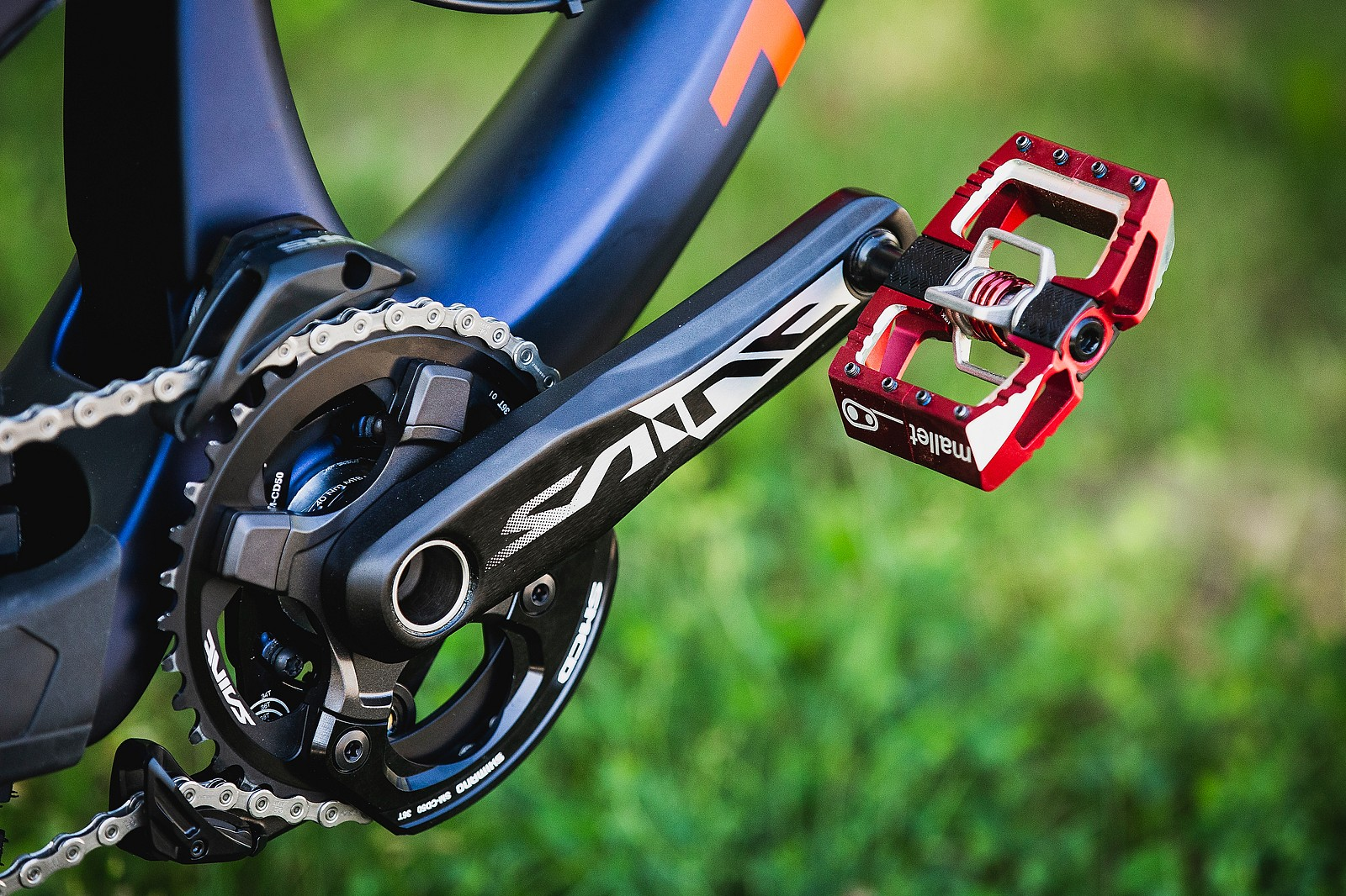 Crankbrothers Mallet DH Pedals - Tahnee Seagrave's World Championships Transition TR11 - Mountain Biking Pictures - Vital MTB