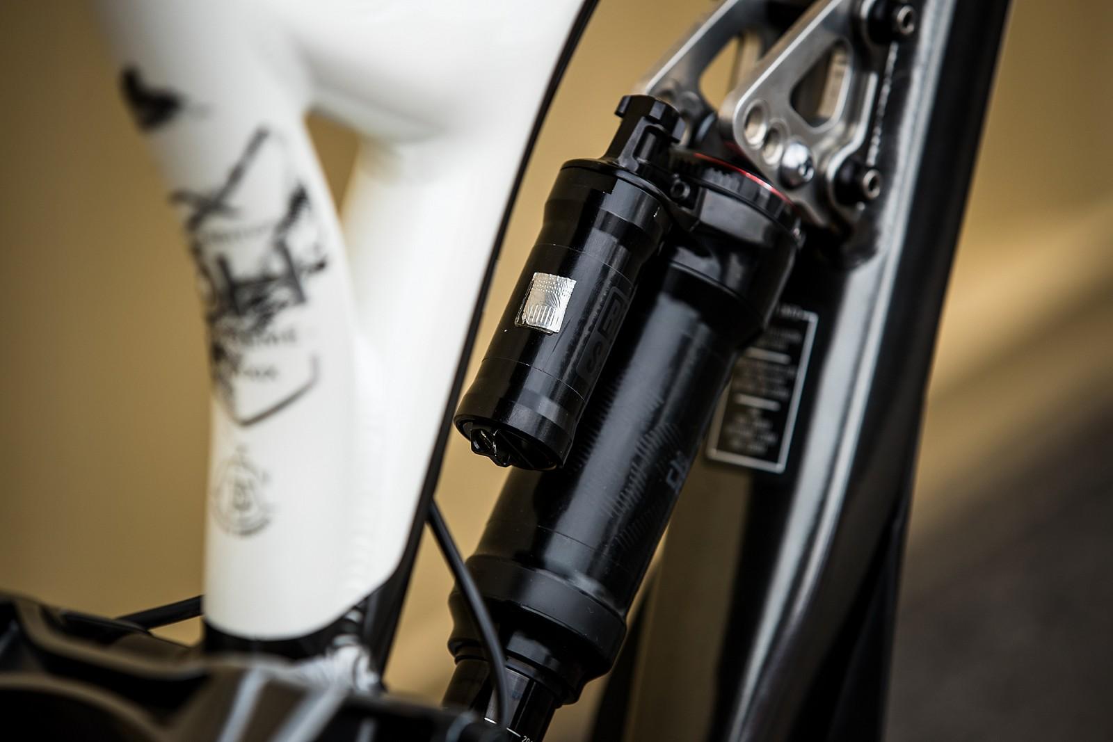 Remi Thirion's World Champs Commencal Supreme - Remi Thirion's World Champs Commencal Supreme - Mountain Biking Pictures - Vital MTB